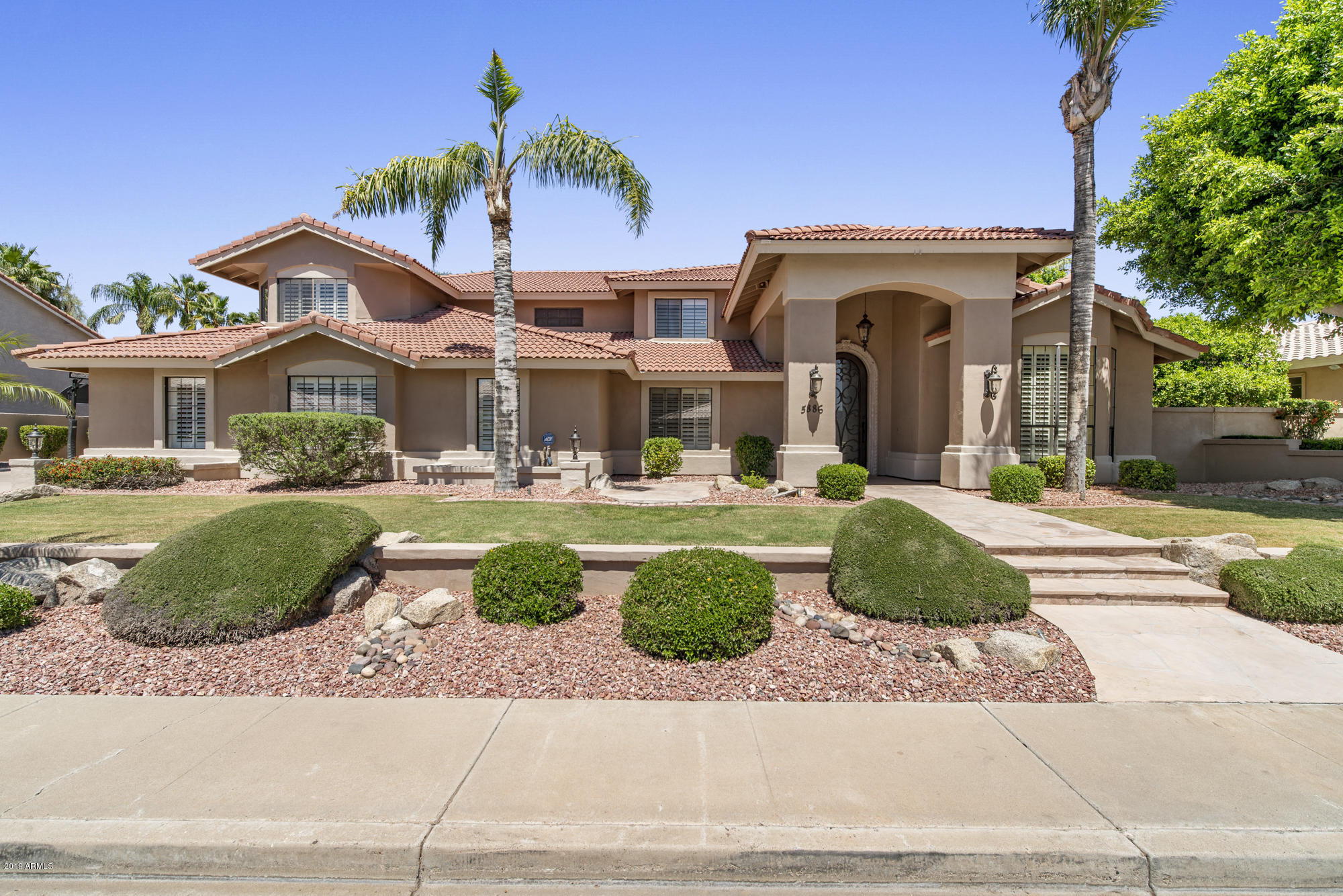 Photo of 5886 W DEL LAGO Circle, Glendale, AZ 85308