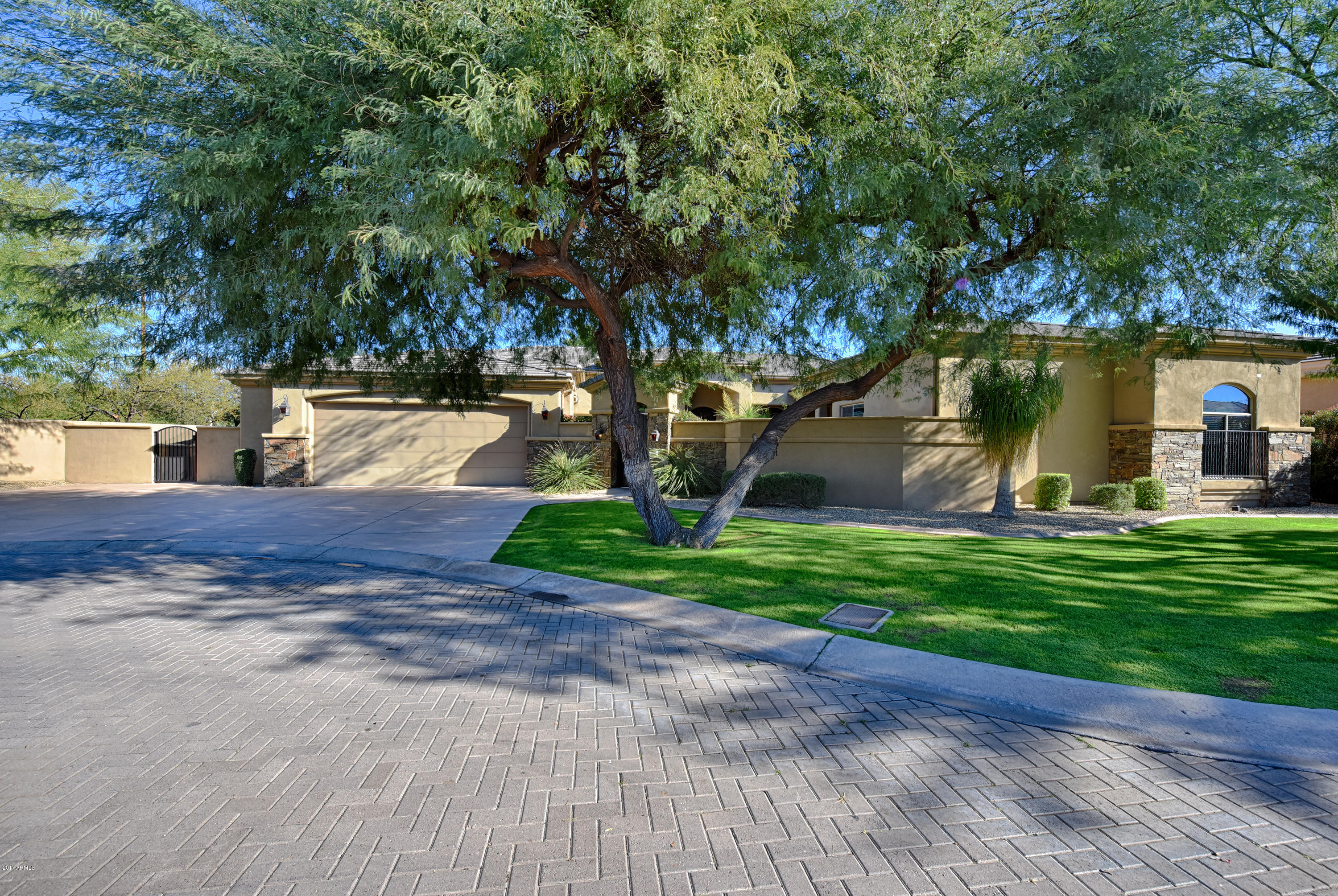 Photo of 5145 N 71ST Place, Paradise Valley, AZ 85253