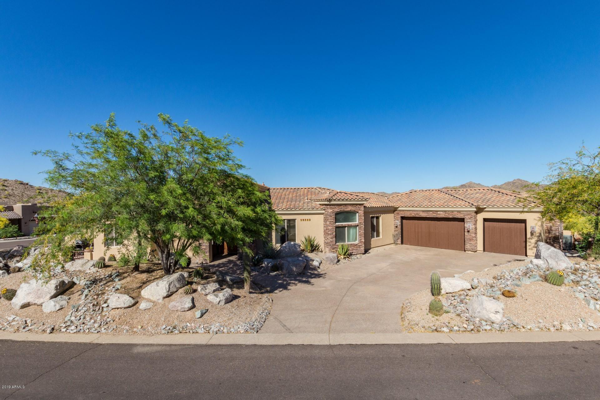 Photo of 18370 W Santa Alberta Lane, Goodyear, AZ 85338