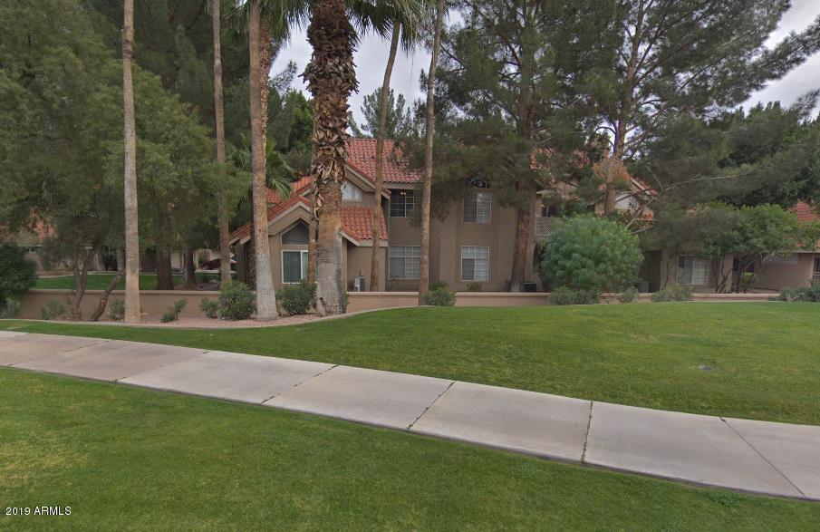 Photo of 1633 E LAKESIDE Drive #13, Gilbert, AZ 85234
