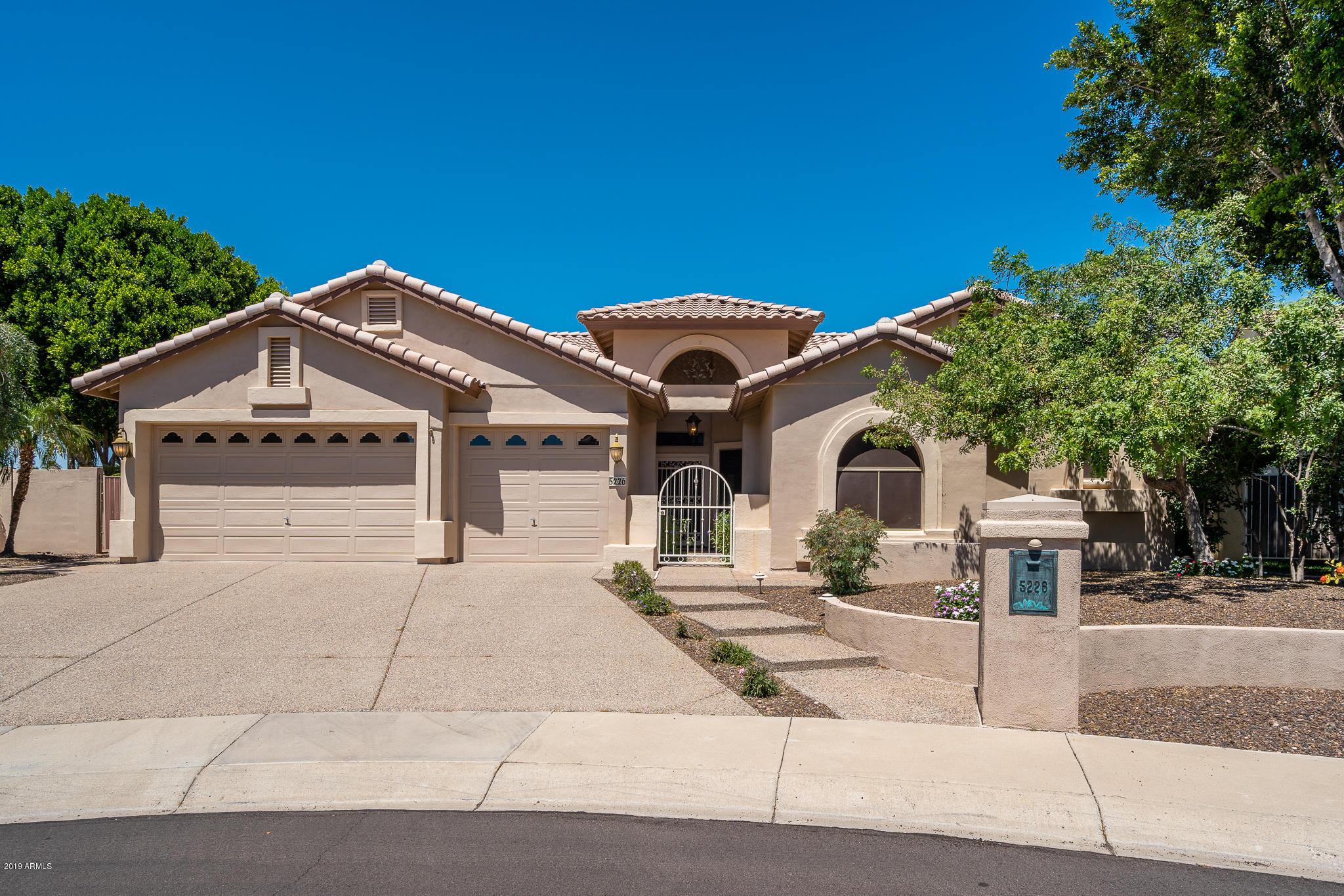 Photo of 5226 W LONE CACTUS Drive, Glendale, AZ 85308