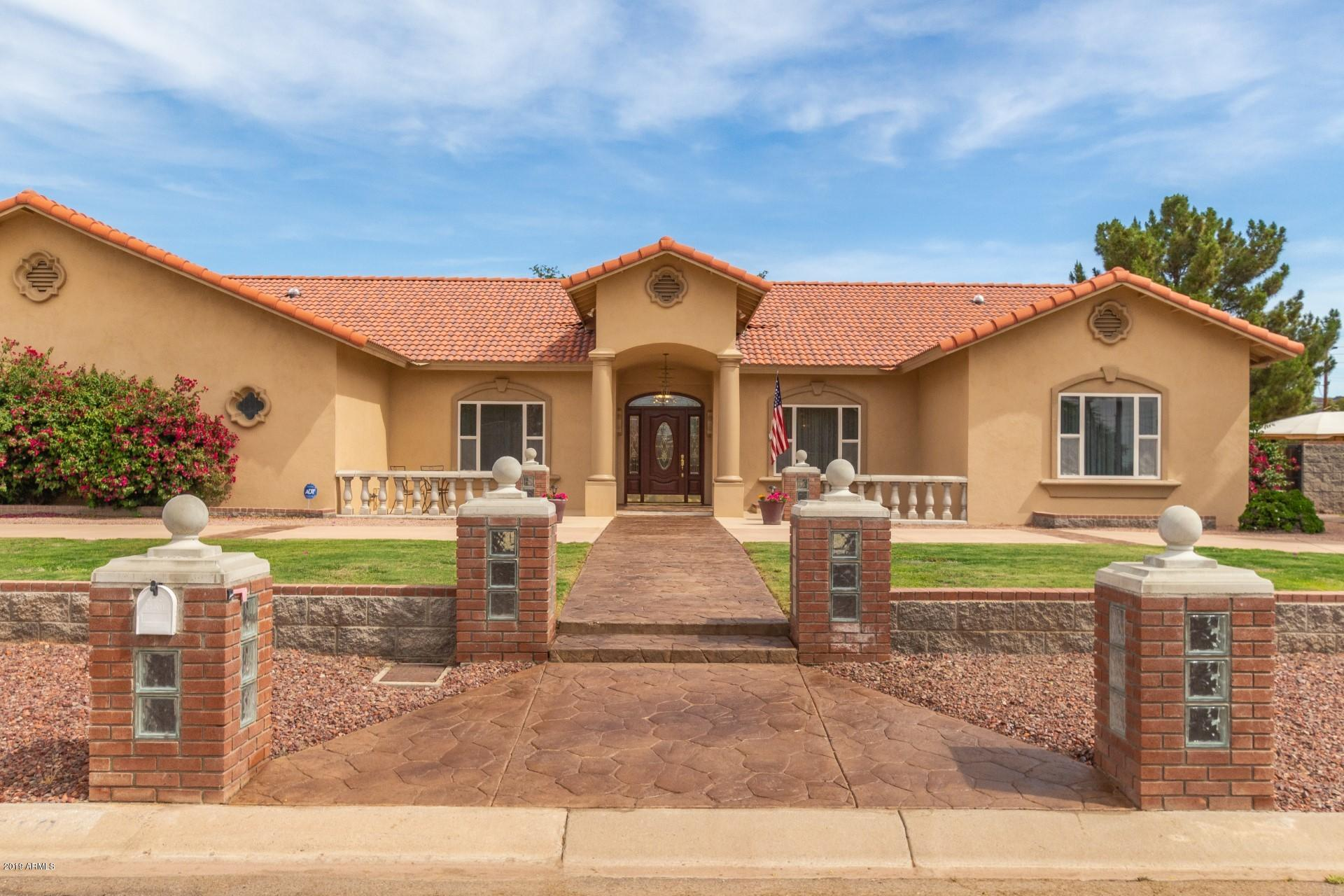 Photo of 5102 W PARK VIEW Lane, Glendale, AZ 85310