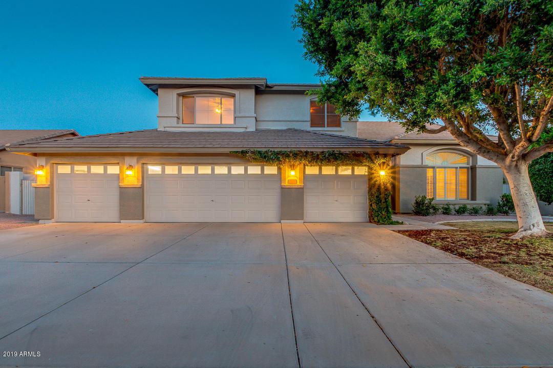 Photo of 7057 W GREENBRIAR Drive, Glendale, AZ 85308