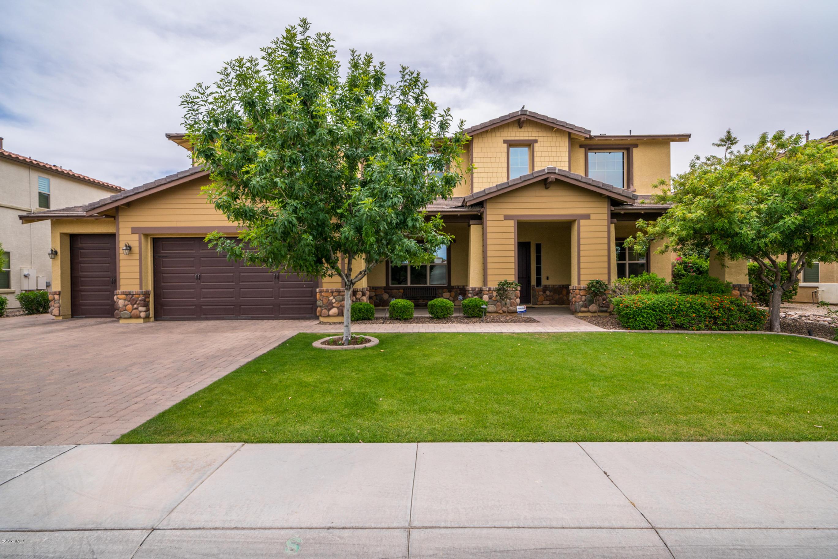 Photo of 3941 E ELLIS Street, Mesa, AZ 85205