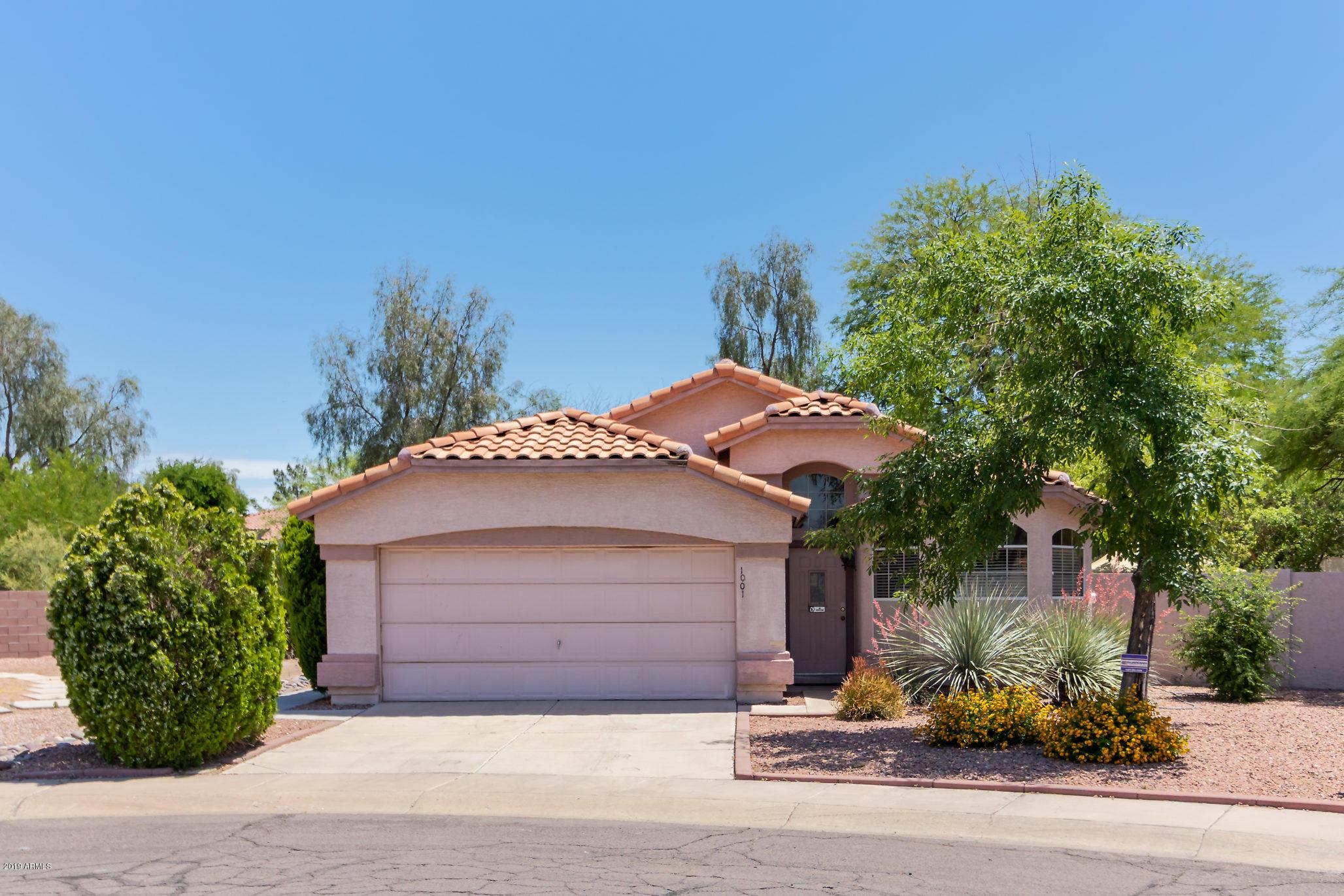 Photo of 1001 W BUTLER Court, Chandler, AZ 85224