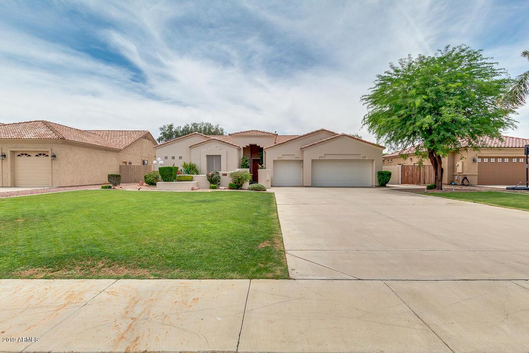 Photo of 6389 W TONOPAH Drive, Glendale, AZ 85308