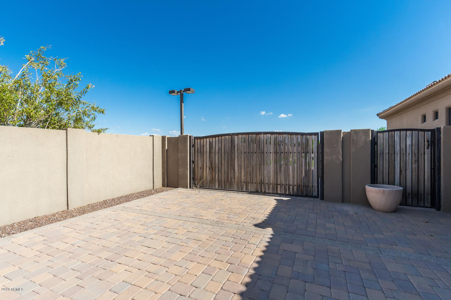 16625 W MOHAVE Street Photo 18
