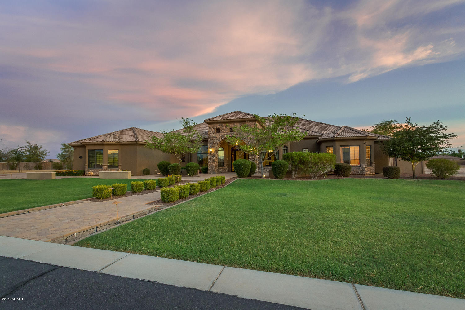 16625 W MOHAVE Street Photo 4
