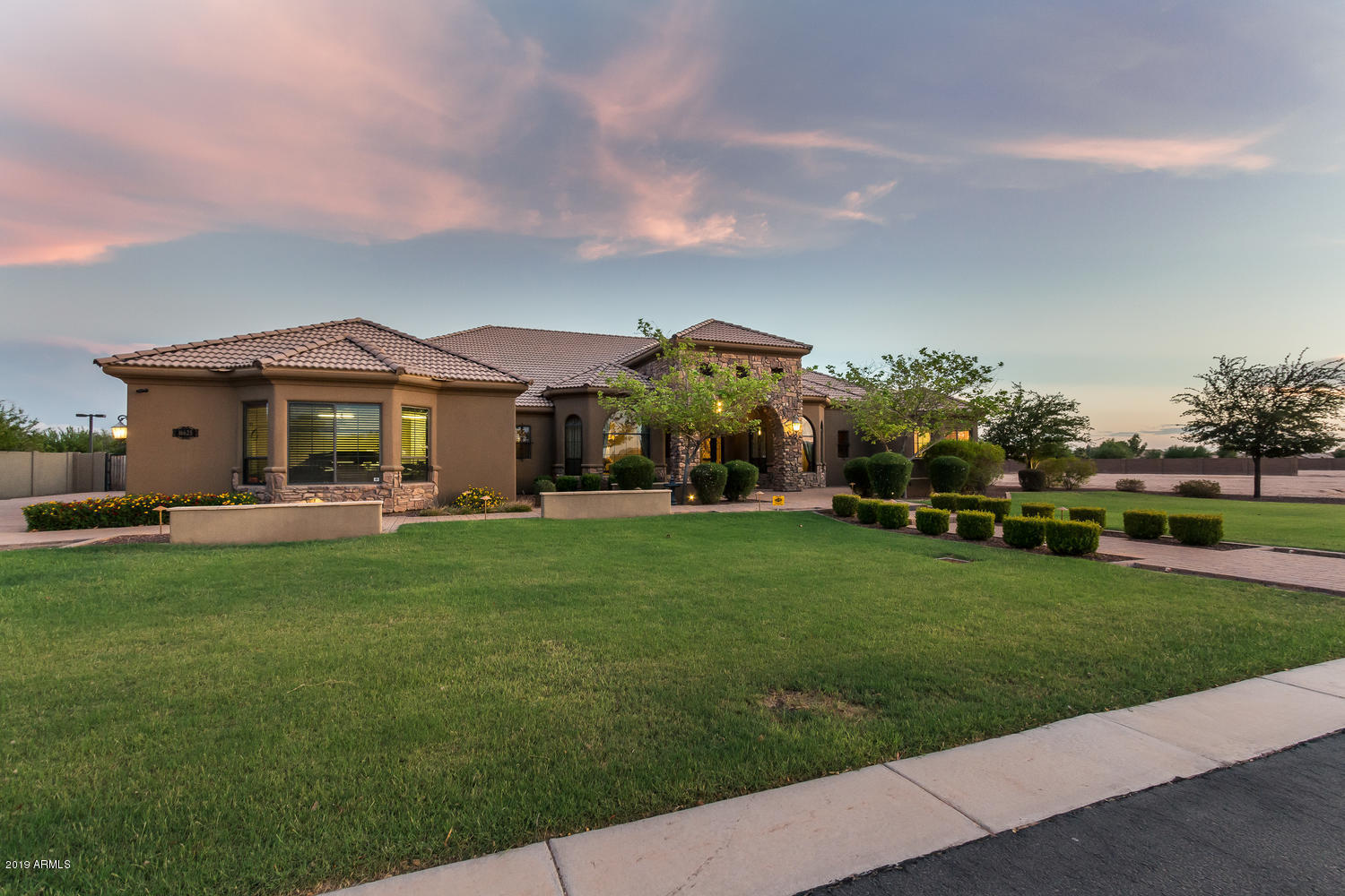 16625 W MOHAVE Street Photo 8