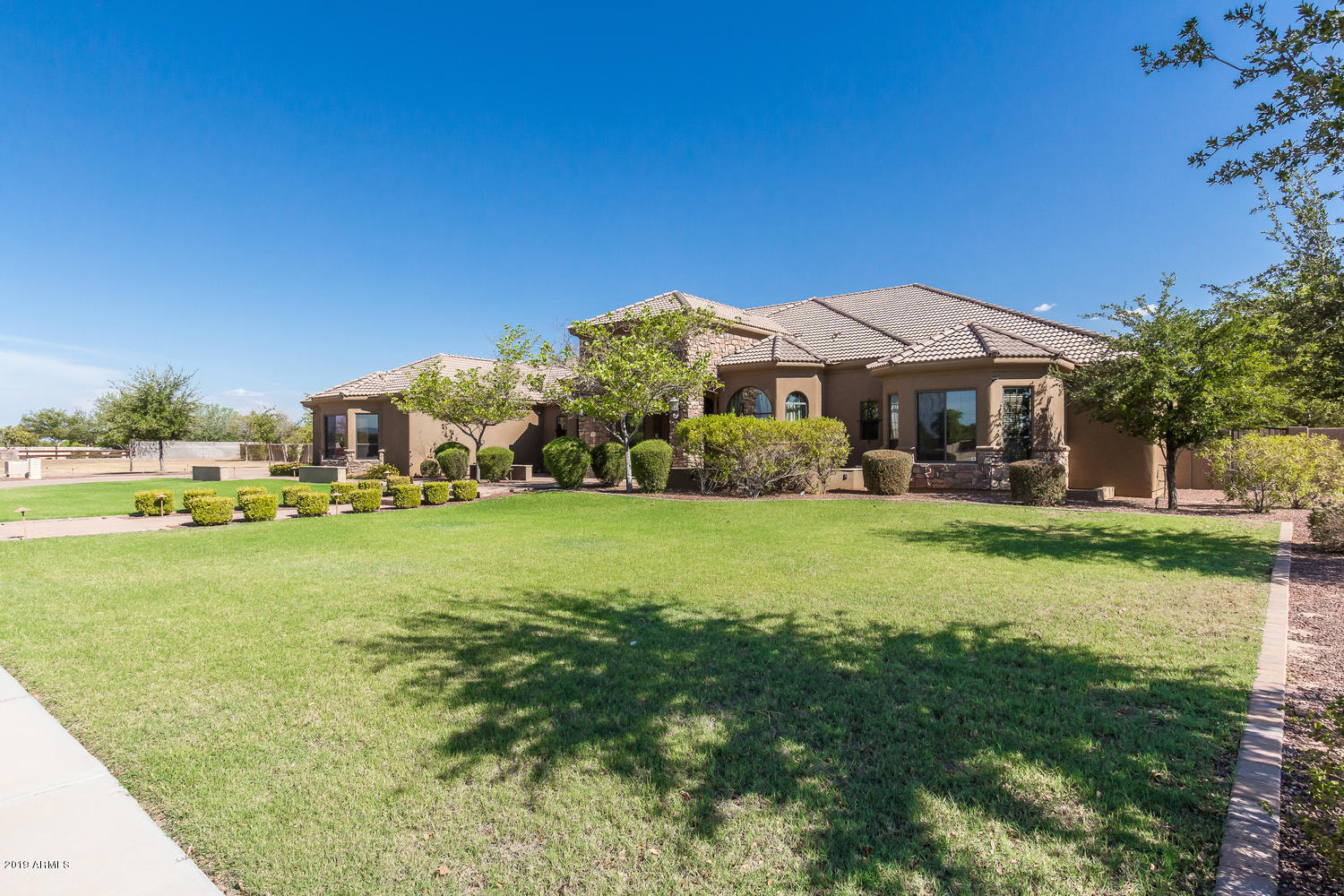 16625 W MOHAVE Street Photo 6