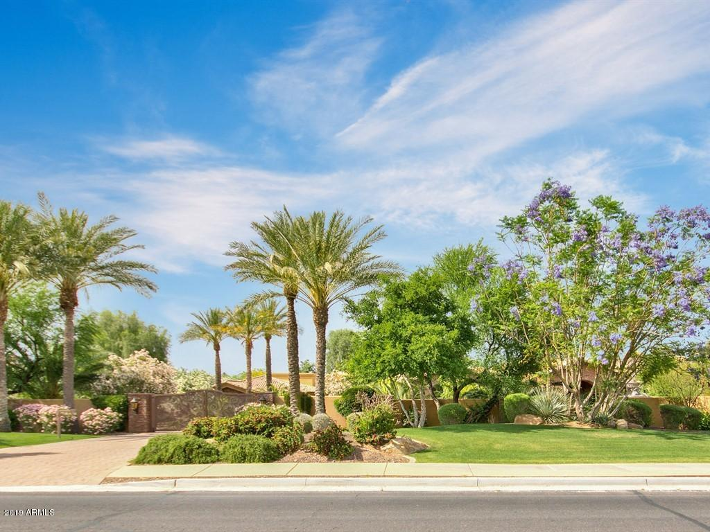 Photo of 5030 E MOCKINGBIRD Lane, Paradise Valley, AZ 85253