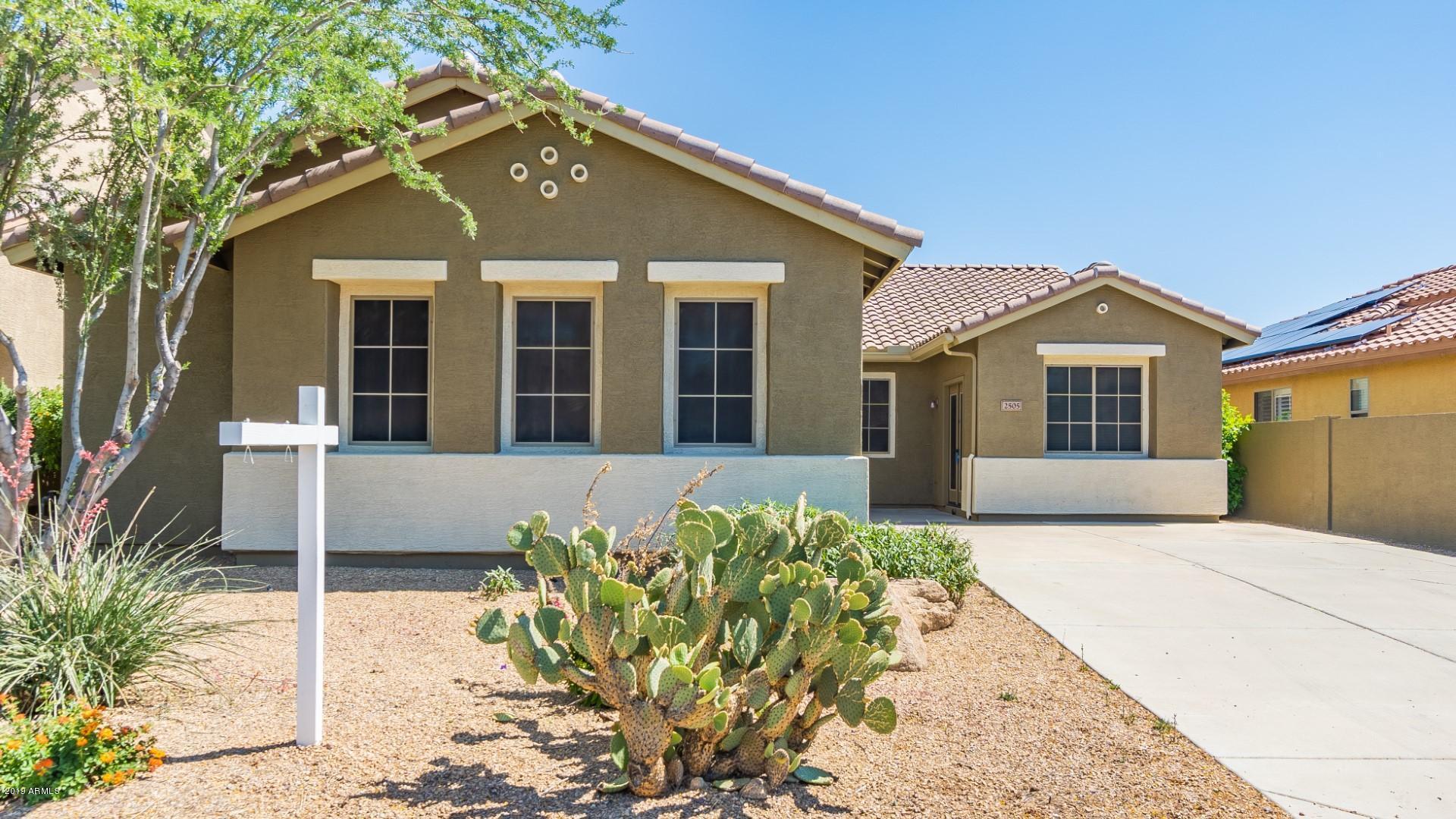 Photo of 2505 W SHACKLETON Drive, Phoenix, AZ 85086