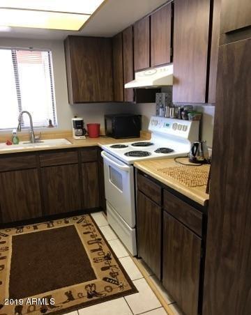 Photo of 10828 N BILTMORE Drive #231, Phoenix, AZ 85029