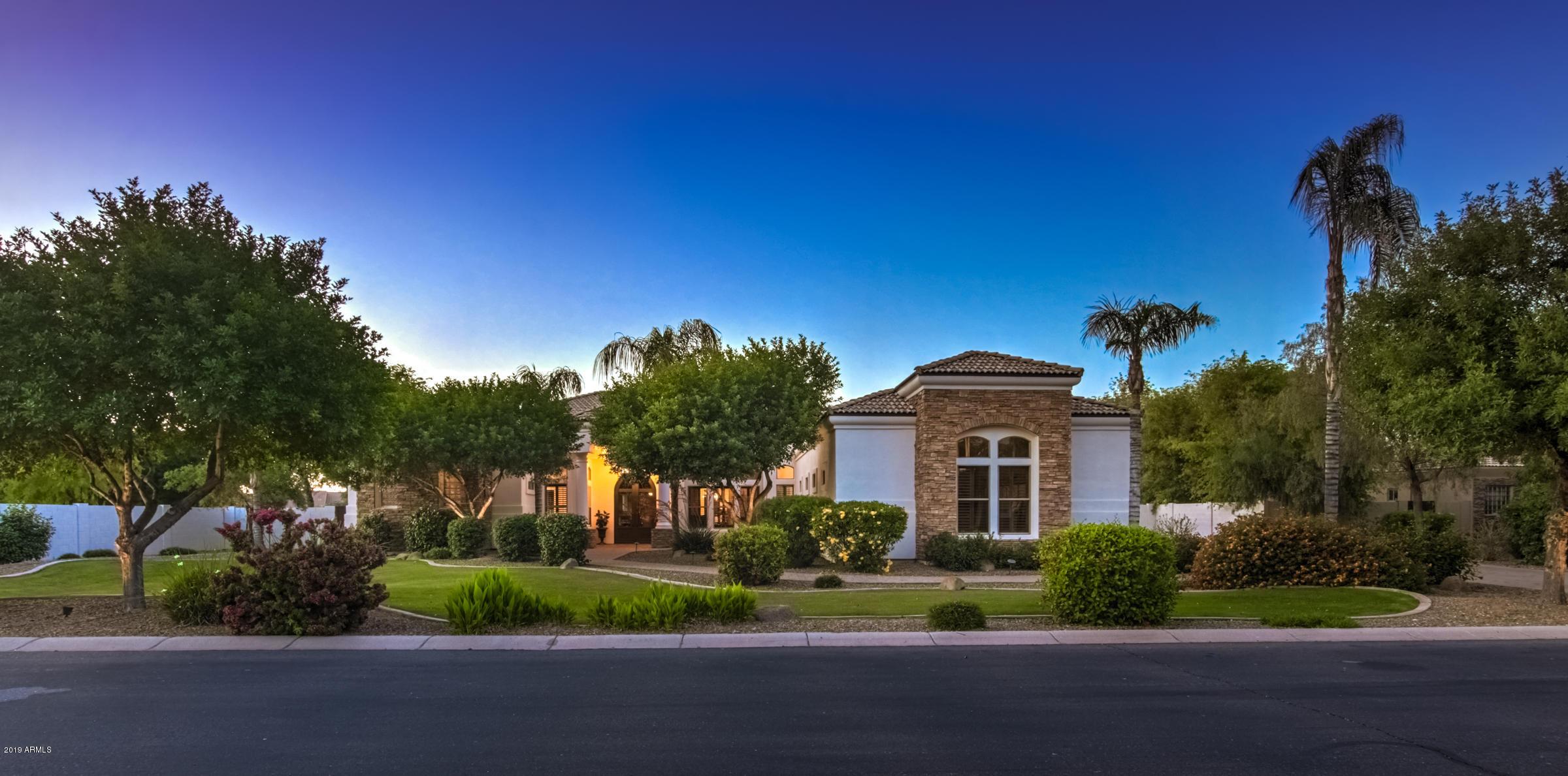 Photo of 2816 E CLARK Drive, Gilbert, AZ 85297