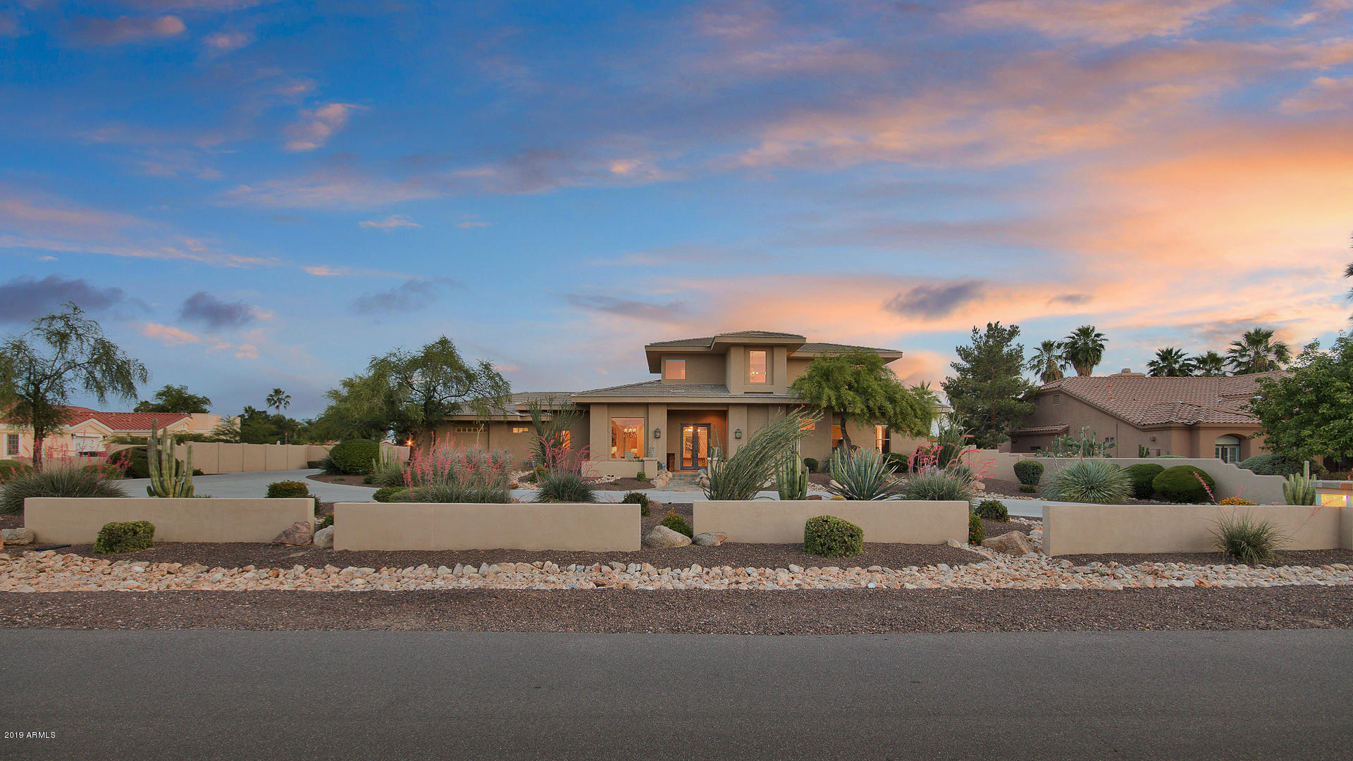 Photo of 10271 E Shangri La Road, Scottsdale, AZ 85260