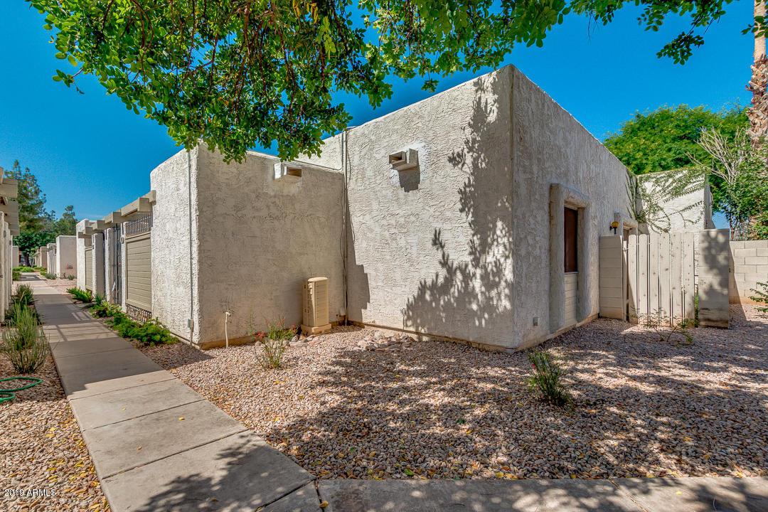 Photo of 544 S ALLRED Drive, Tempe, AZ 85281