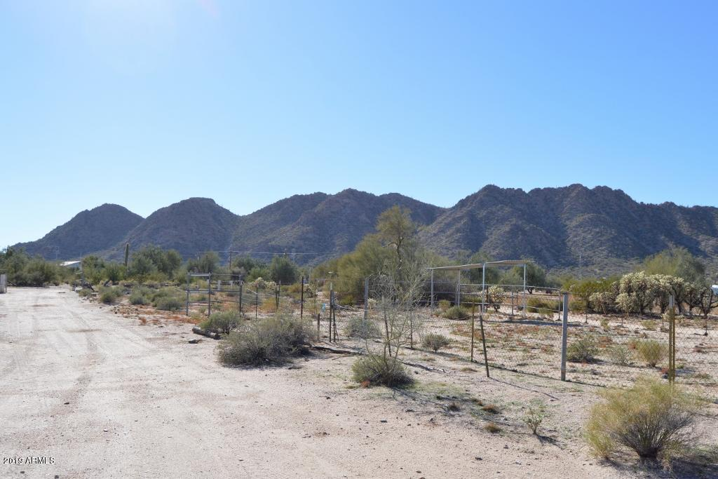 Photo of 54032 W HAWKHILL Road, Maricopa, AZ 85139