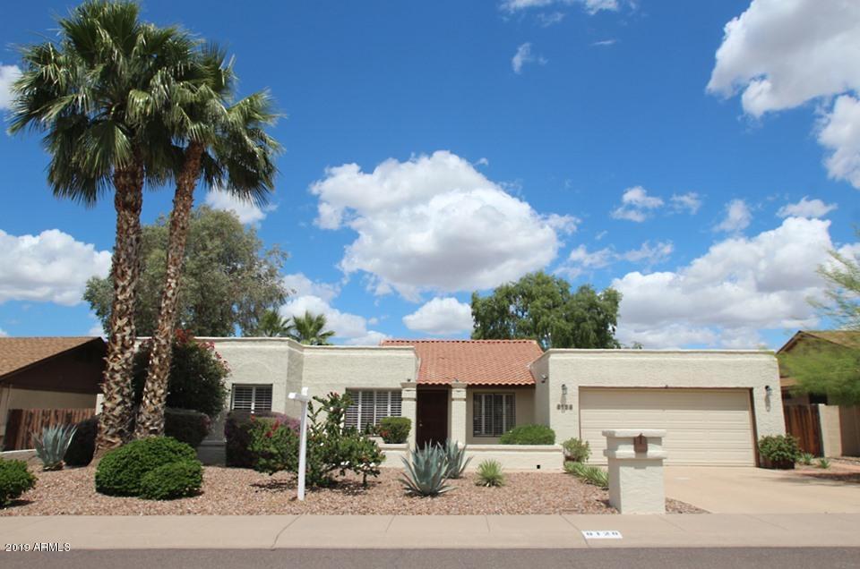 Photo of 8128 N 18TH Place, Phoenix, AZ 85020