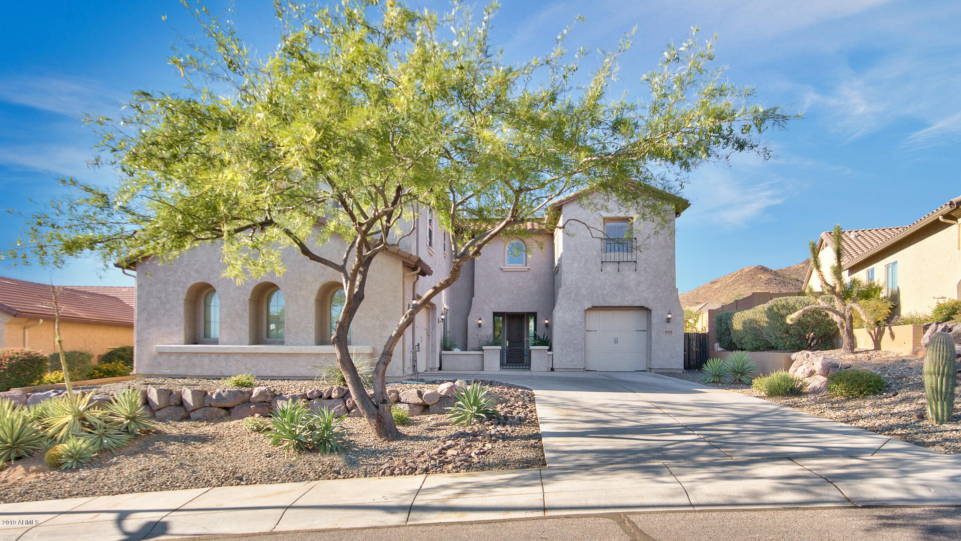 Photo of 1924 W PEAK VIEW Road, Phoenix, AZ 85085