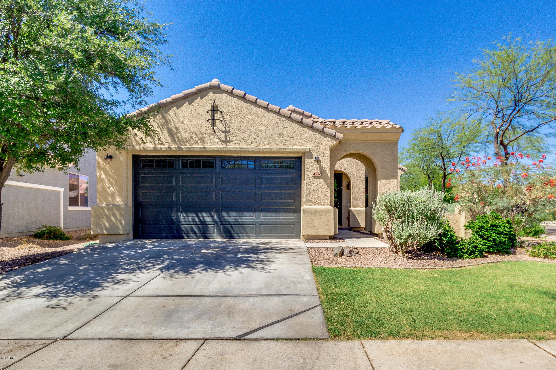 Photo of 4516 E SANTA FE Lane, Gilbert, AZ 85297