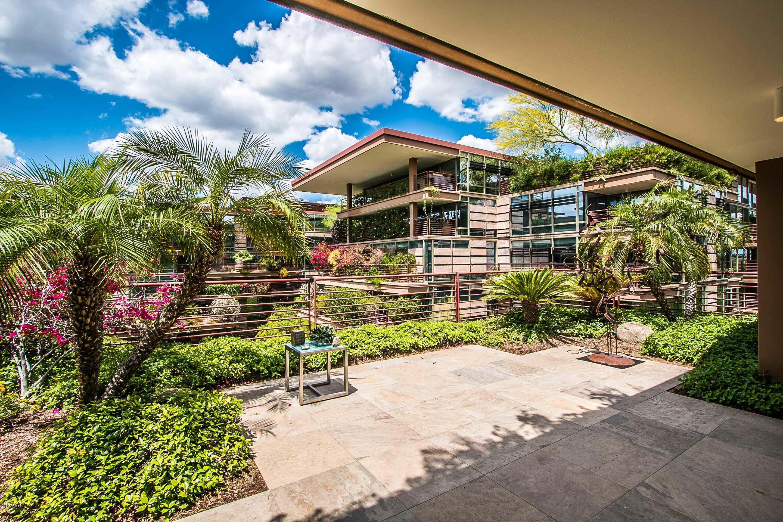 Photo of 7137 E Rancho Vista Drive #5007, Scottsdale, AZ 85251