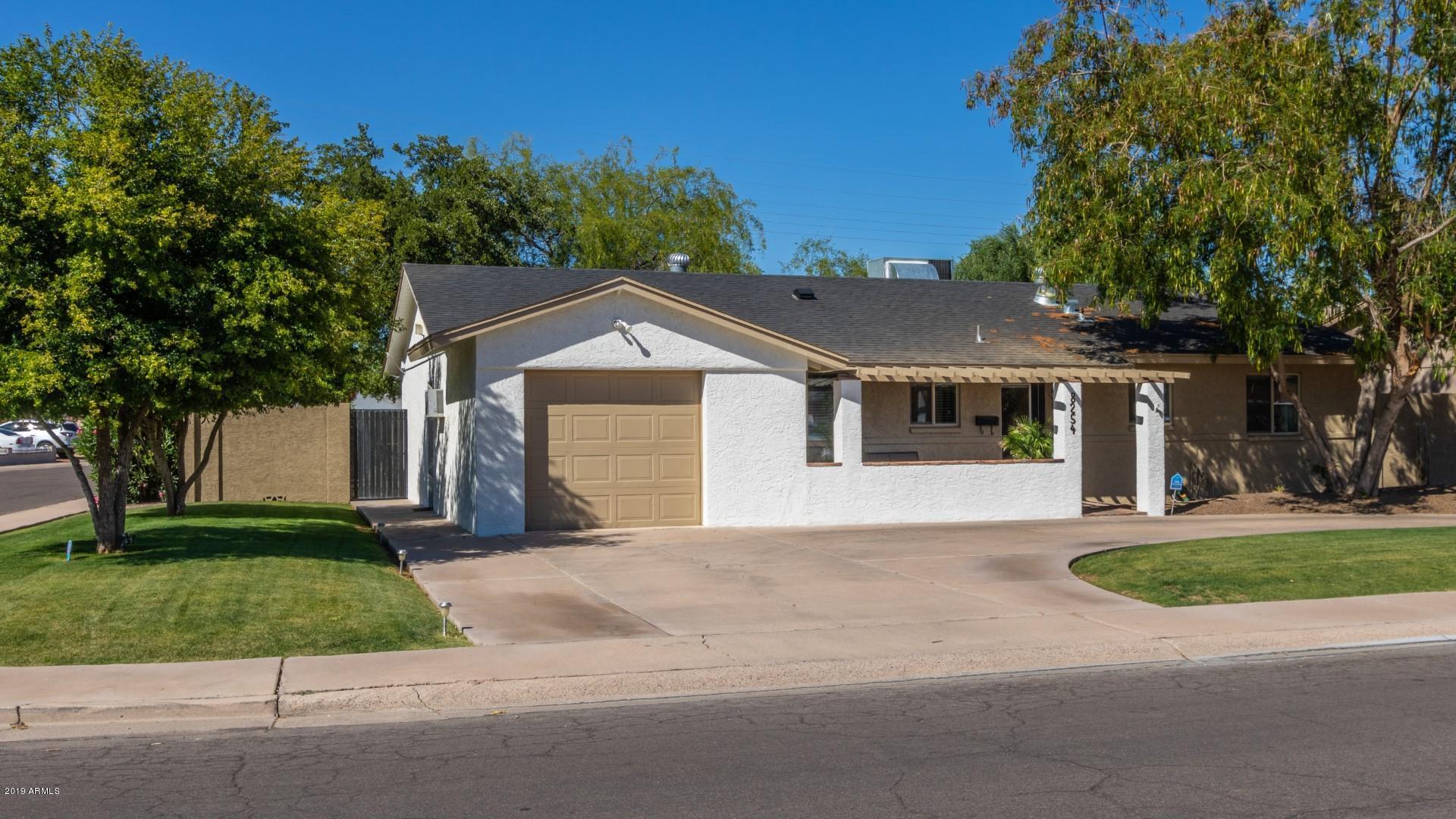 8254 E HUBBELL Street, Scottsdale, Arizona
