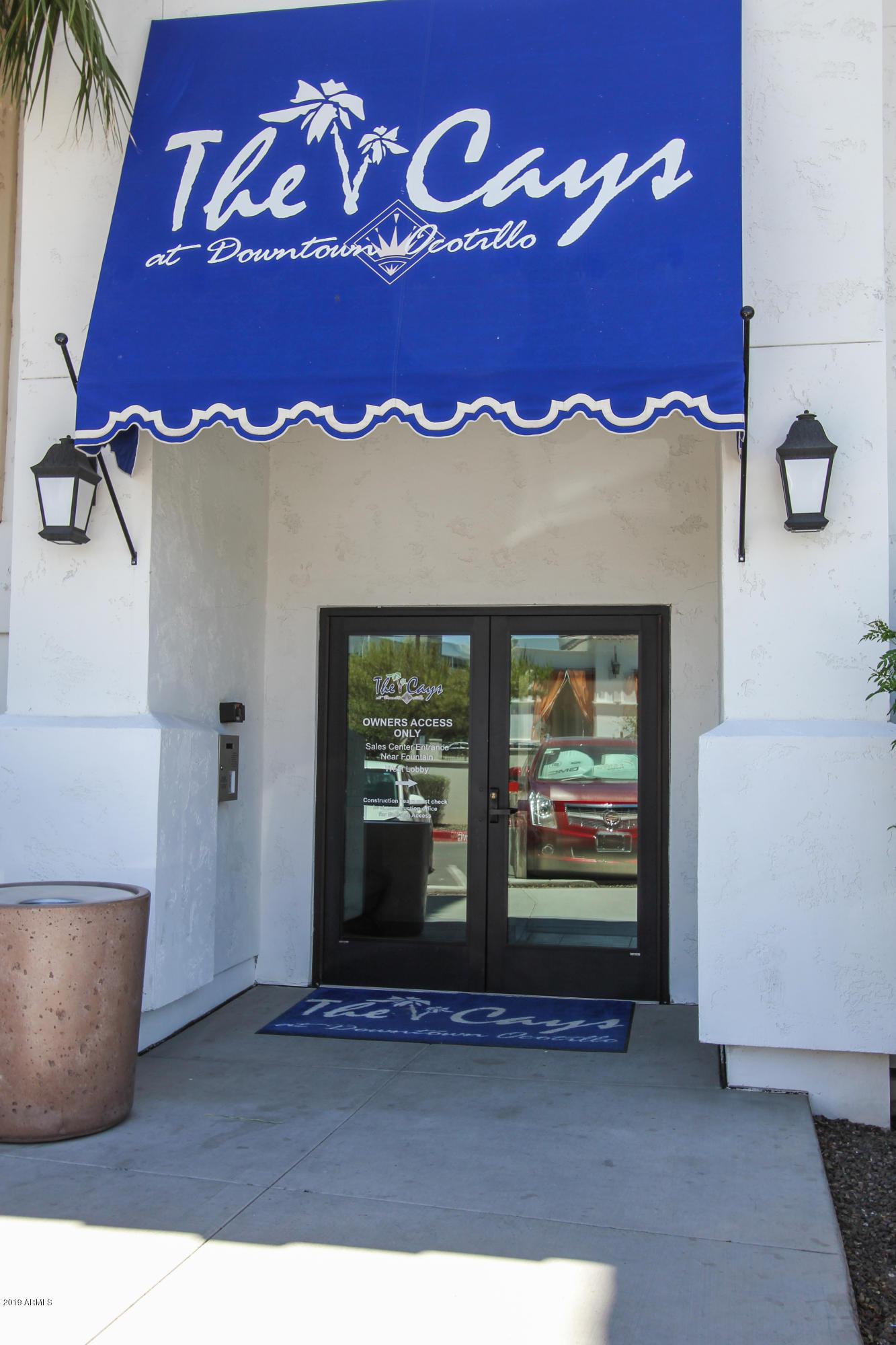 Photo of 2511 W QUEEN CREEK Road #334, Chandler, AZ 85248