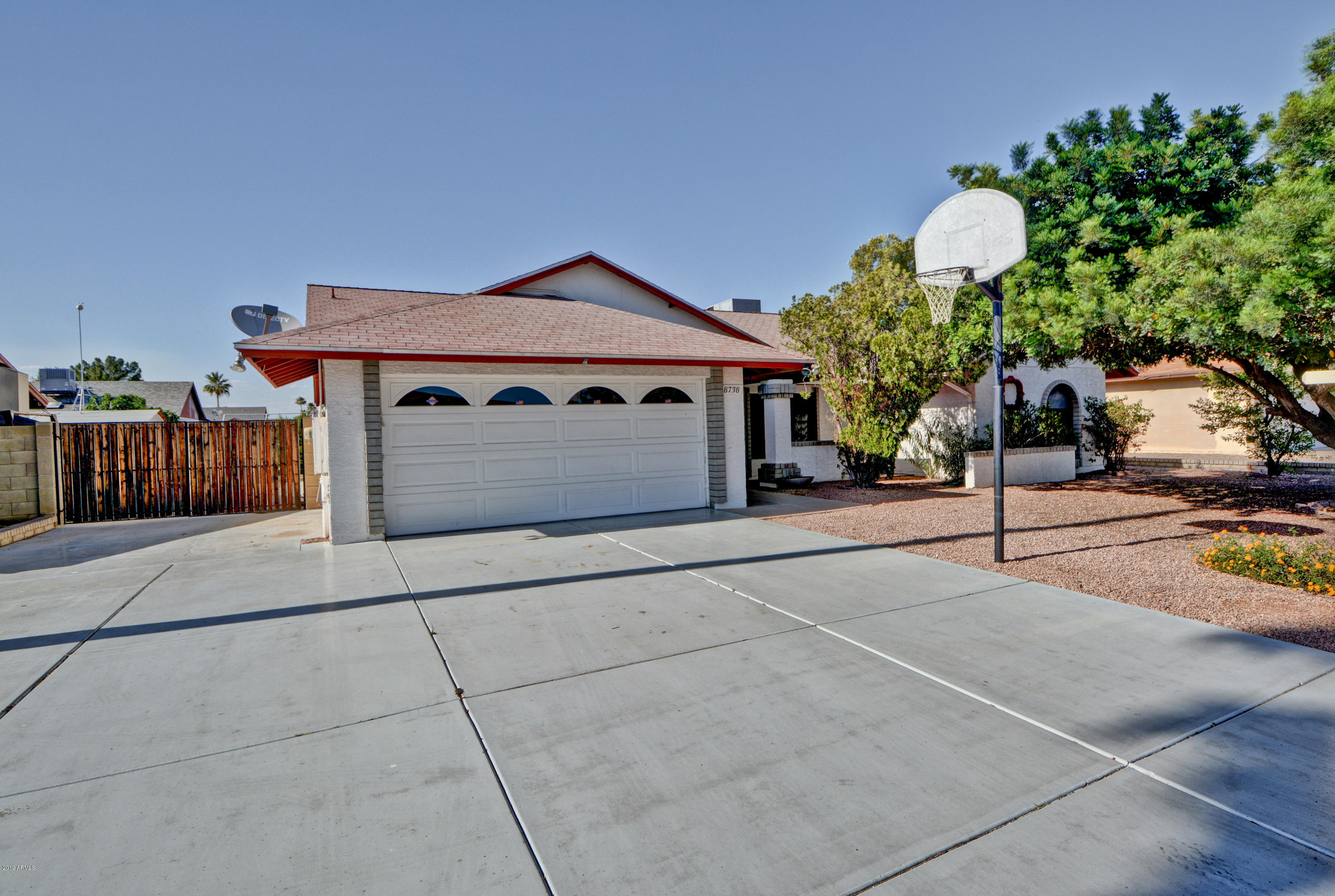 Photo of 8738 W DIANA Avenue, Peoria, AZ 85345
