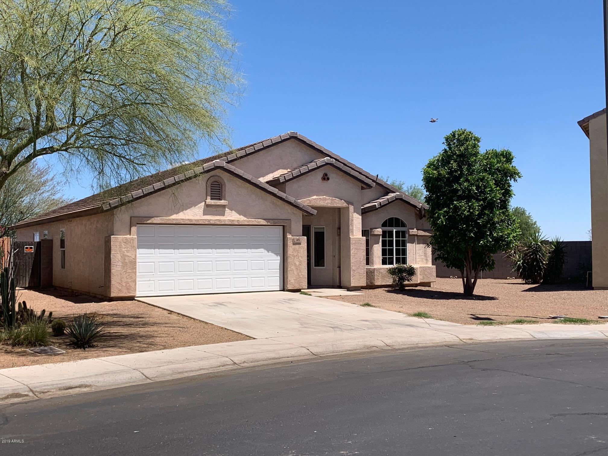Photo of 601 N REDWOOD Lane, Buckeye, AZ 85326