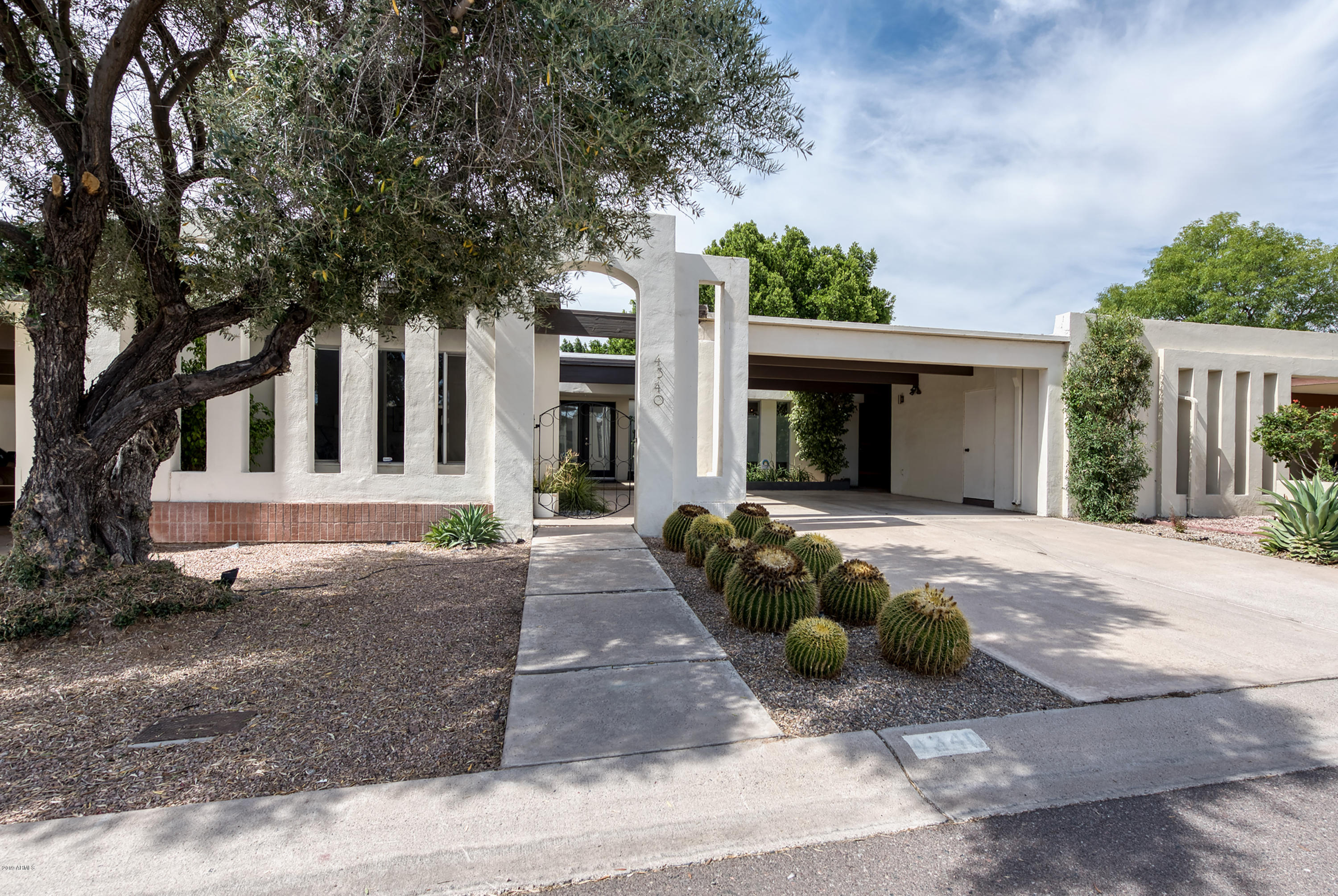 Photo of 4340 E PICCADILLY Road, Phoenix, AZ 85018