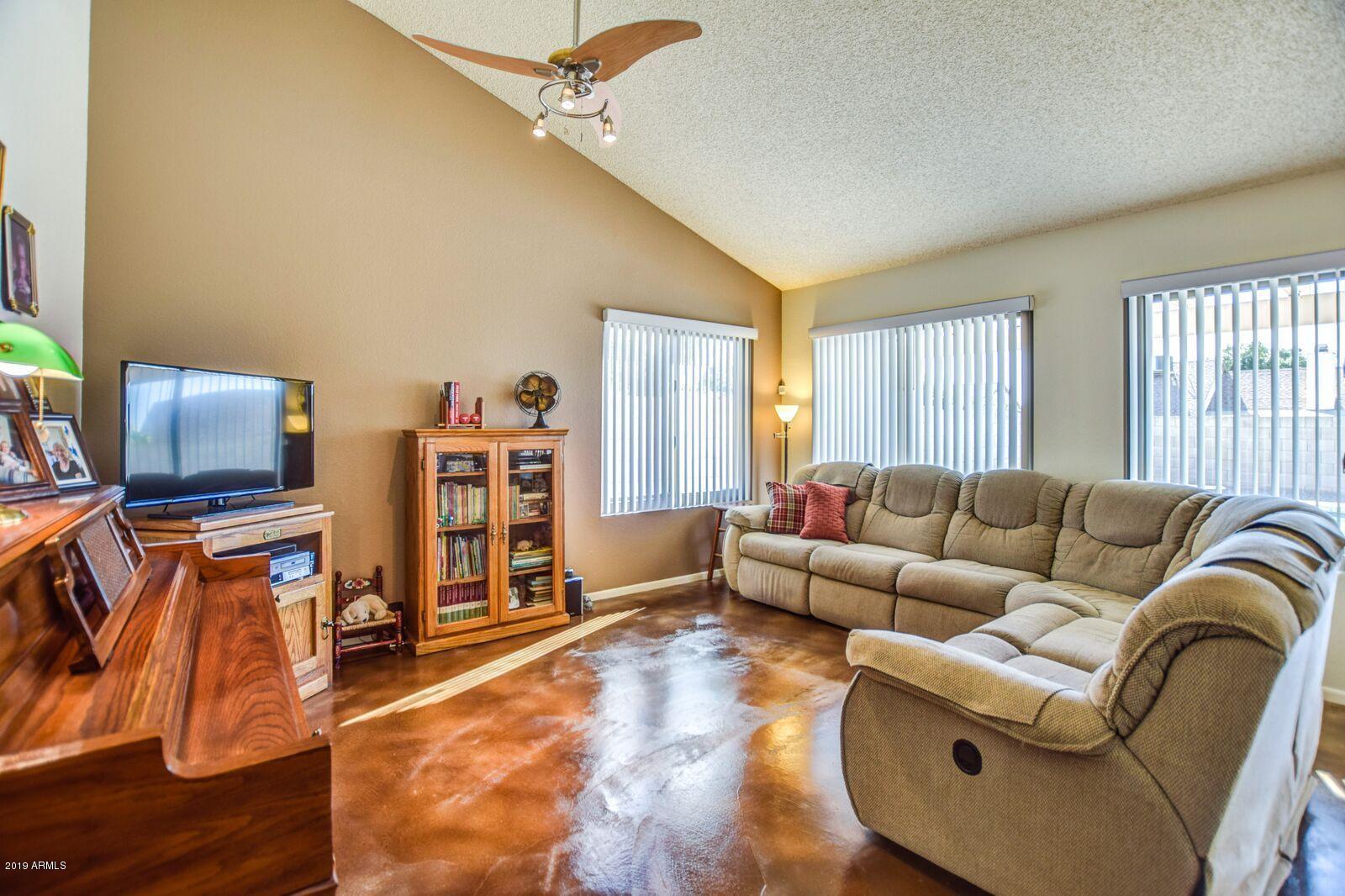 Photo of 13264 N 55TH Drive, Glendale, AZ 85304