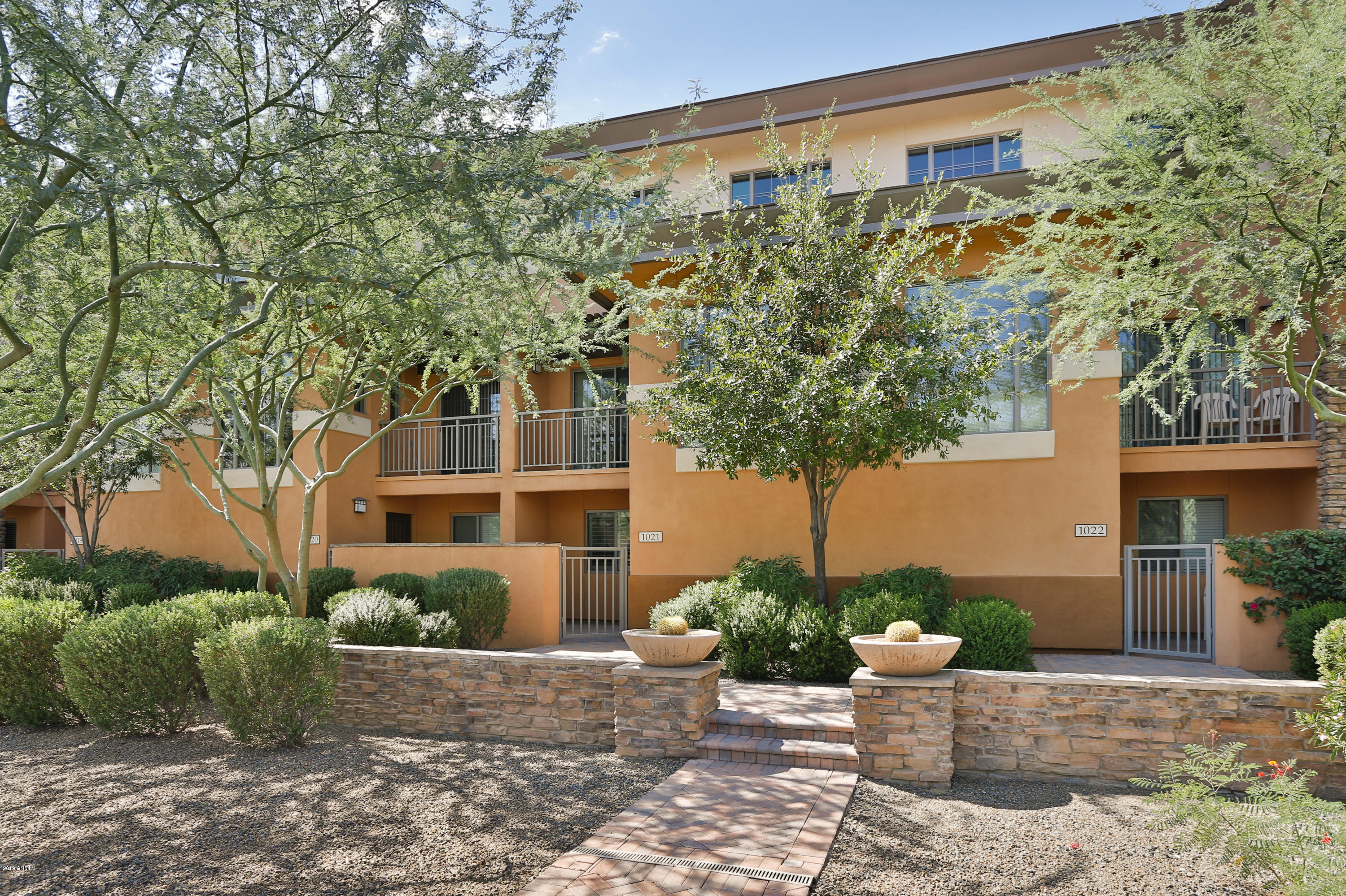 Photo of 6940 E COCHISE Road #1021, Paradise Valley, AZ 85253