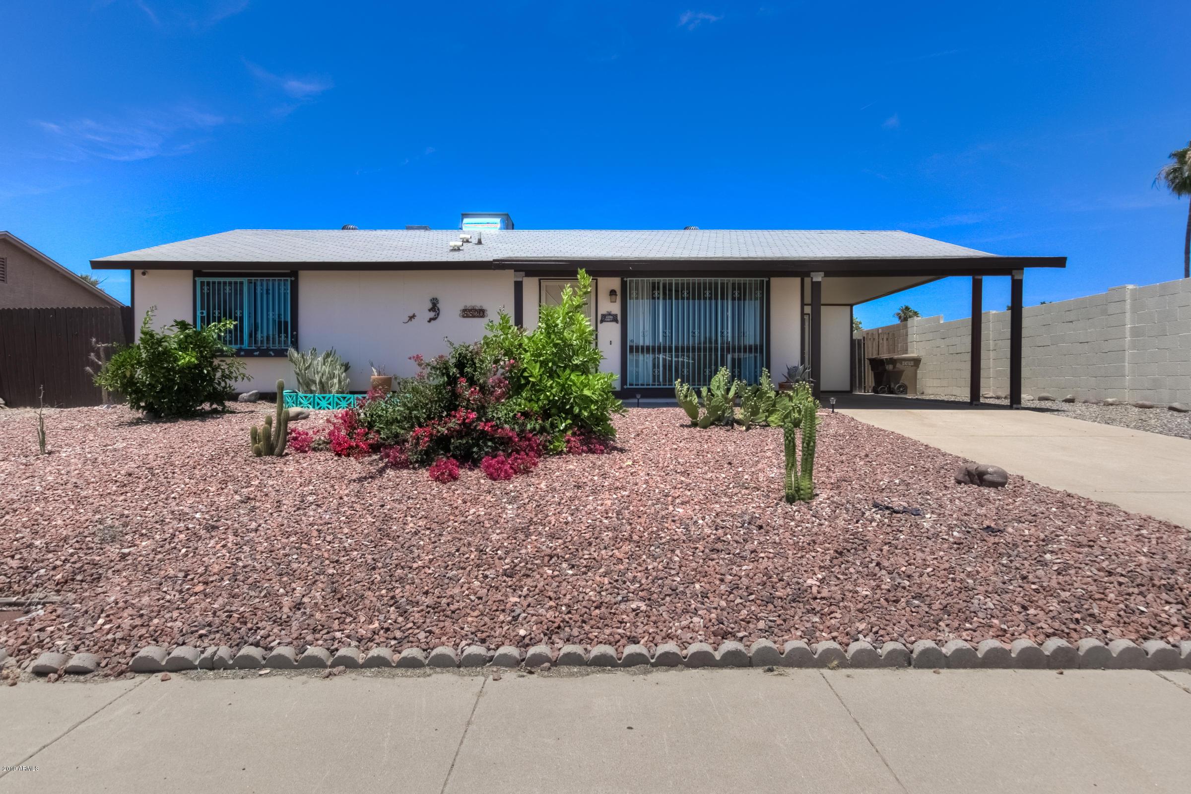 Photo of 8820 W MERCER Lane, Peoria, AZ 85345