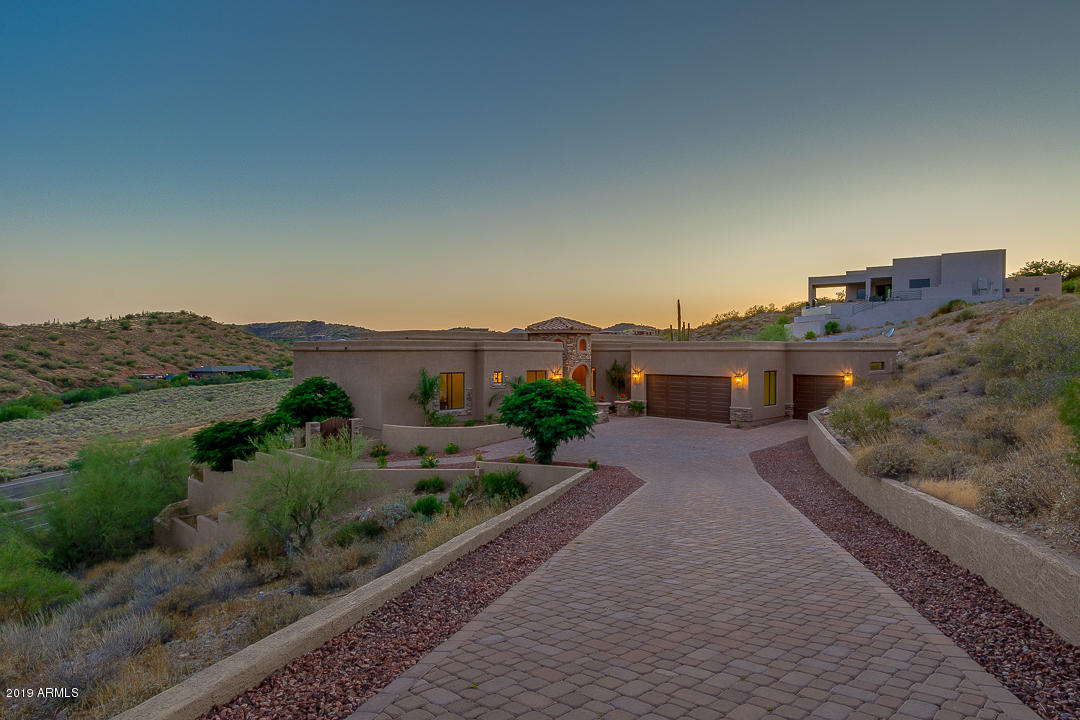 Photo of 16569 E TREVINO Drive, Fountain Hills, AZ 85268