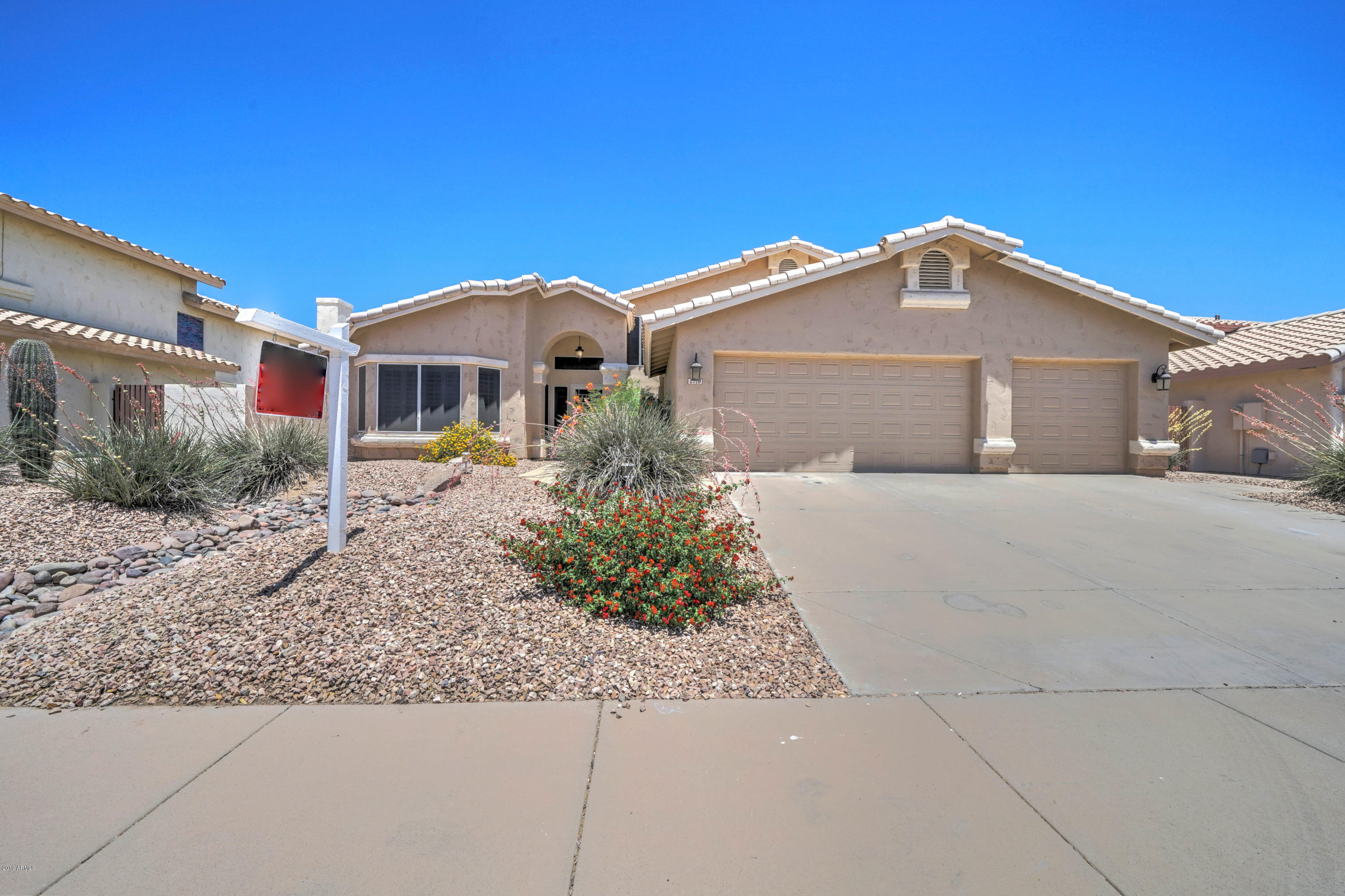Photo of 2718 E SOUTH FORK Drive, Phoenix, AZ 85048