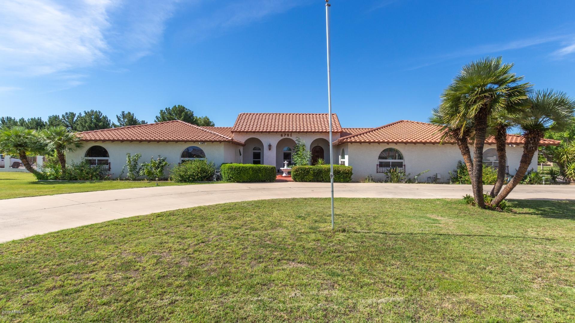 Photo of 6781 W GELDING Drive, Peoria, AZ 85381