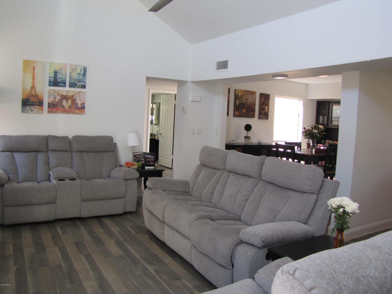 Photo of 9723 N BAYLOR Drive, Fountain Hills, AZ 85268