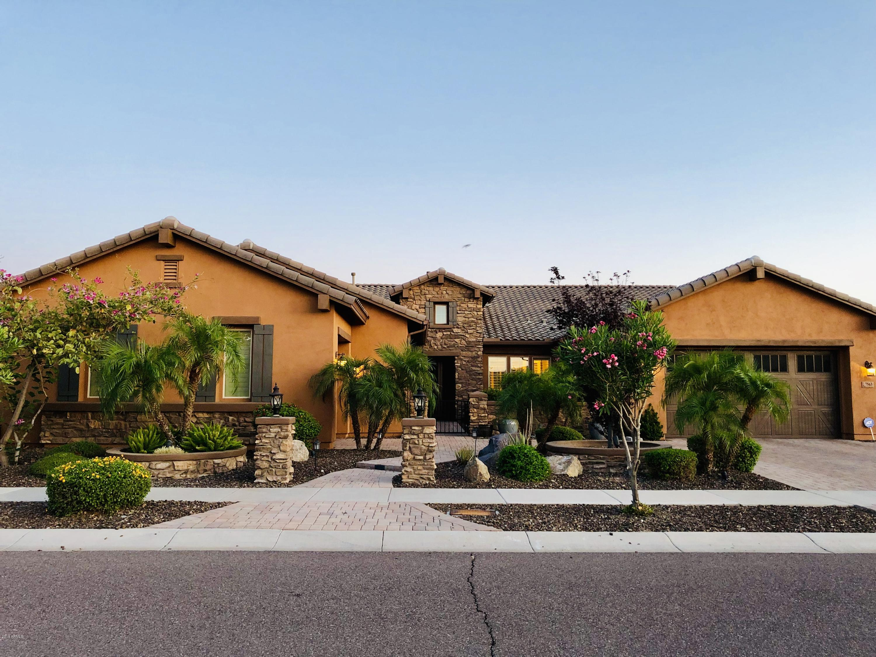 Photo of 7563 W CRYSTAL Road, Glendale, AZ 85308