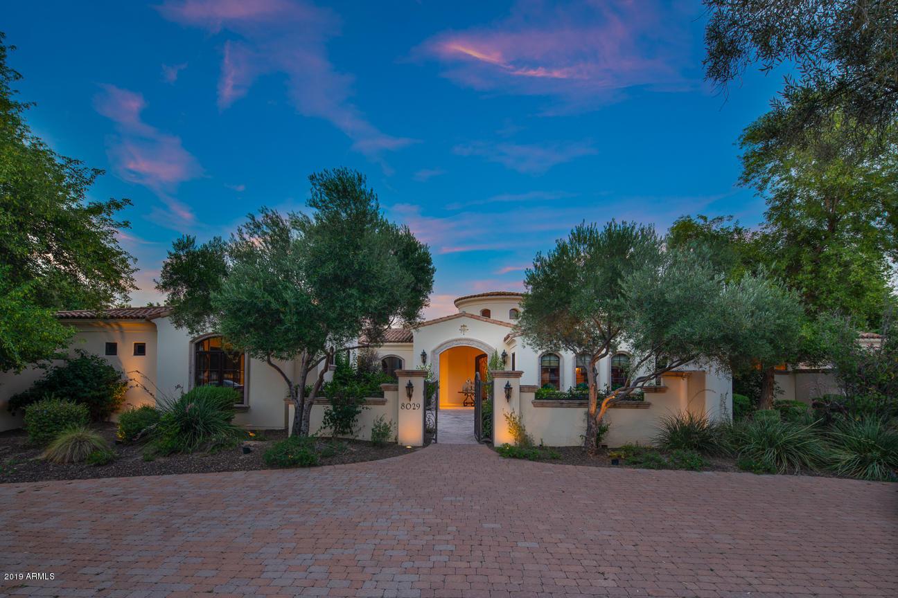 Photo of 8029 N 74th Place, Scottsdale, AZ 85258