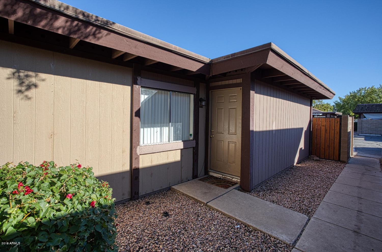 Photo of 821 S CASITAS Drive S #B, Tempe, AZ 85281