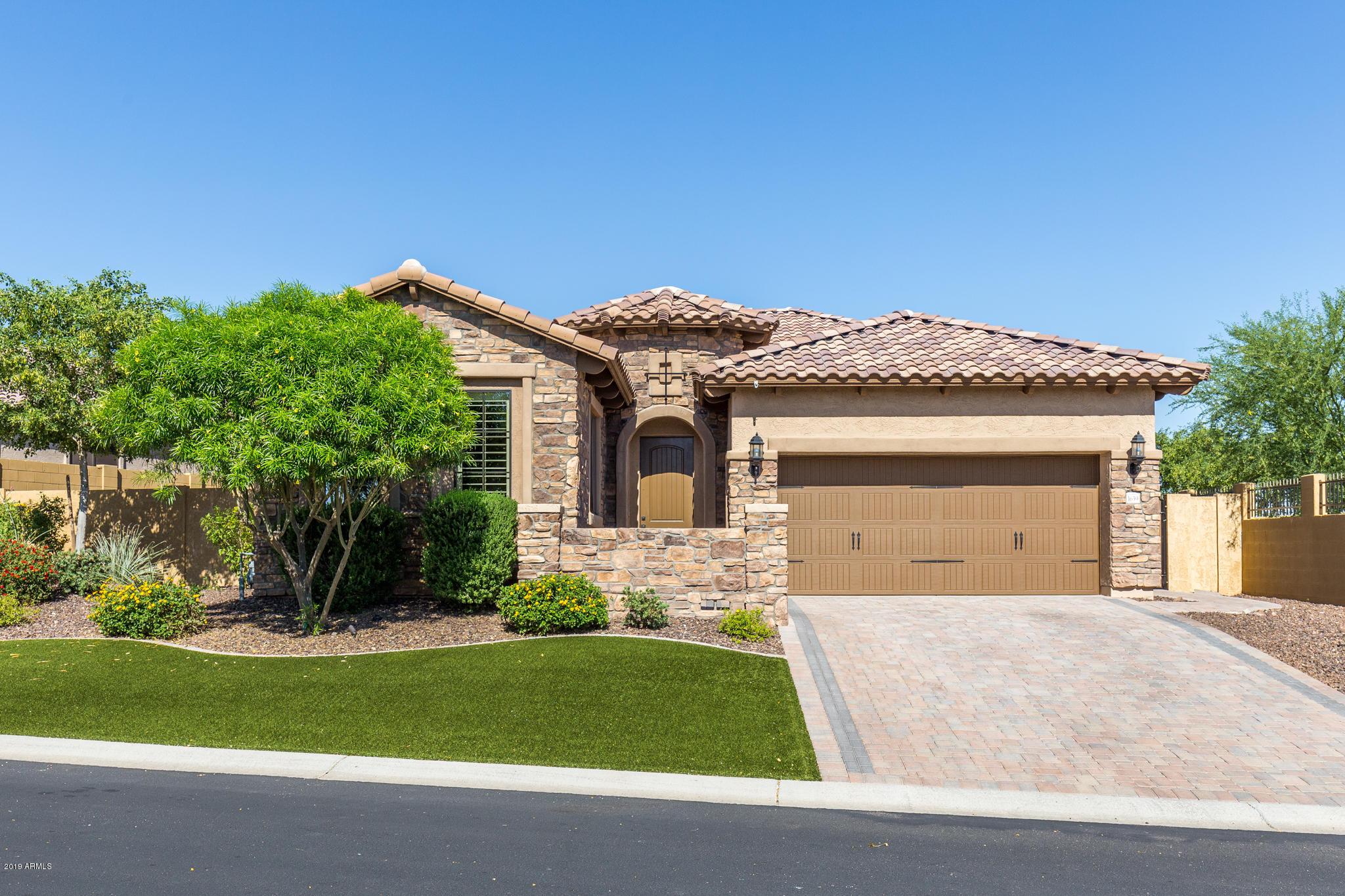 Photo of 1639 N ATWOOD Circle, Mesa, AZ 85207