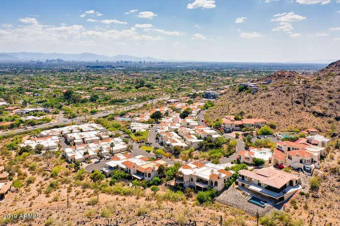 Photo of 3800 E LINCOLN Drive #42, Phoenix, AZ 85018