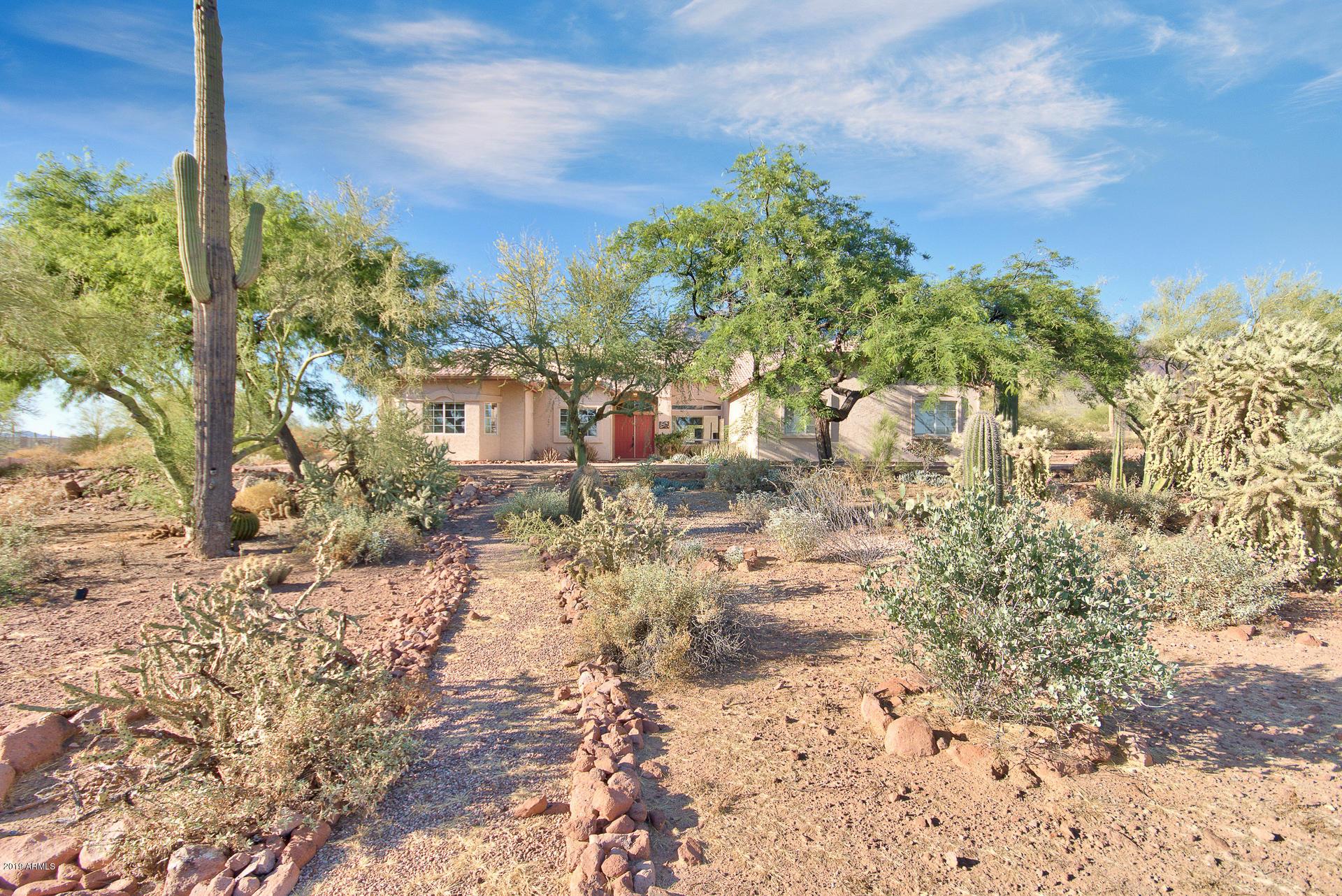 Photo of 6770 E SUPERSTITION VIEW Drive, Apache Junction, AZ 85119