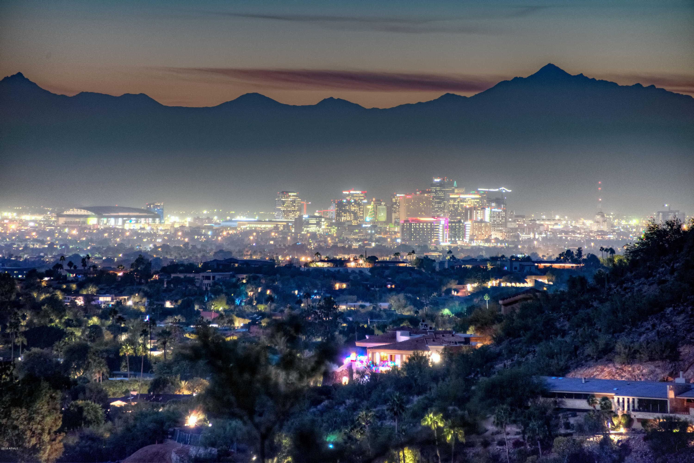 Photo of 5327 E DESERT VISTA Road, Paradise Valley, AZ 85253