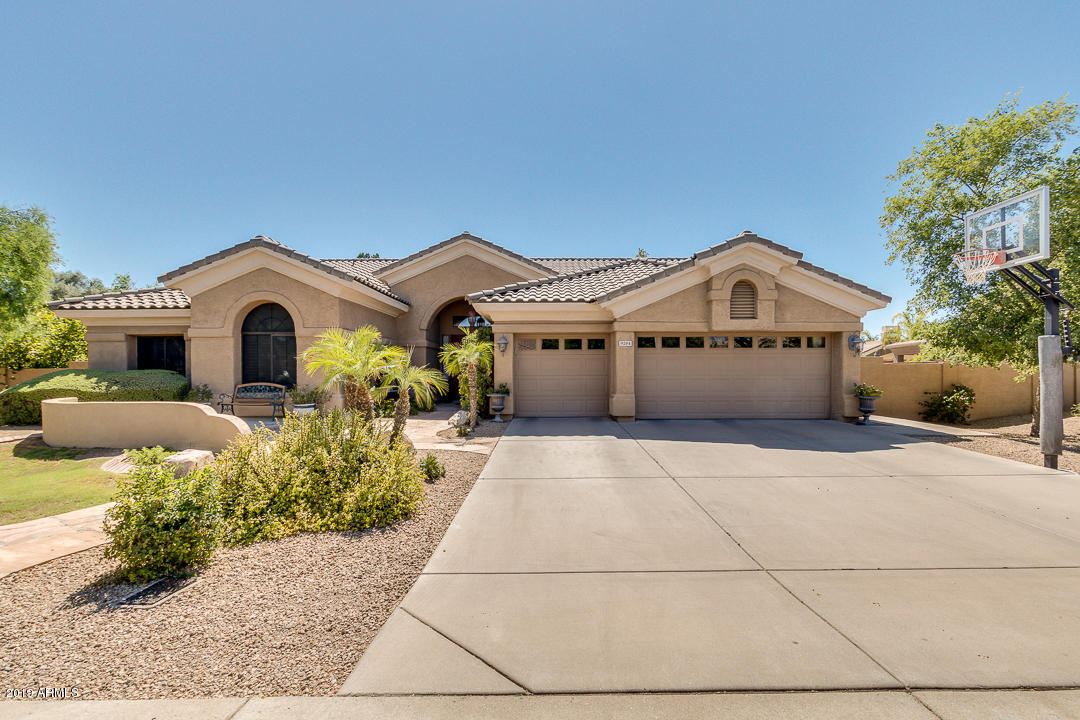 Photo of 9284 S KENNETH Place, Tempe, AZ 85284