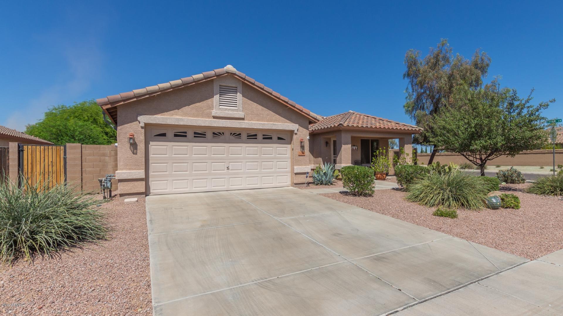 Photo of 556 W HEREFORD Drive, San Tan Valley, AZ 85143