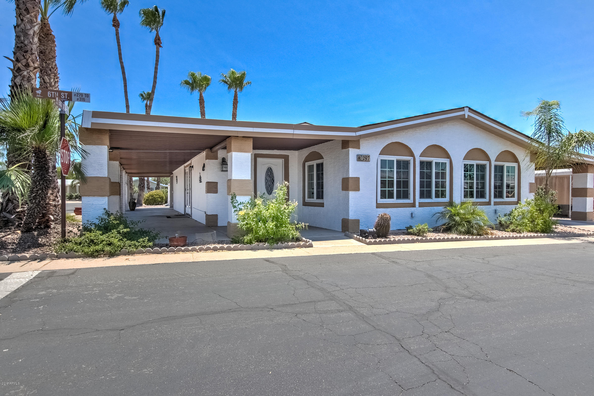Photo of 6209 E MCKELLIPS Road #297, Mesa, AZ 85215