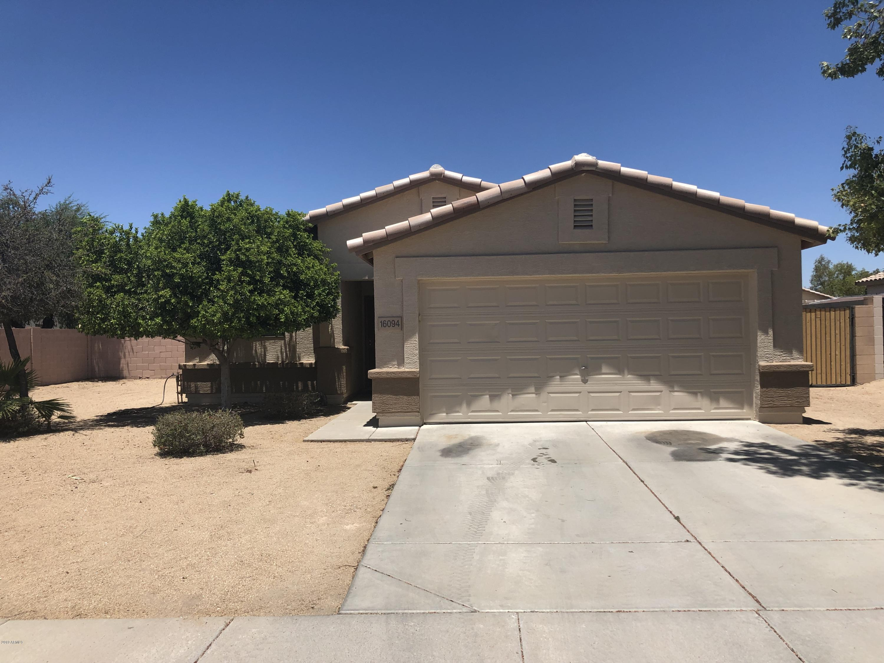 Photo of 16094 W LINCOLN Street, Goodyear, AZ 85338