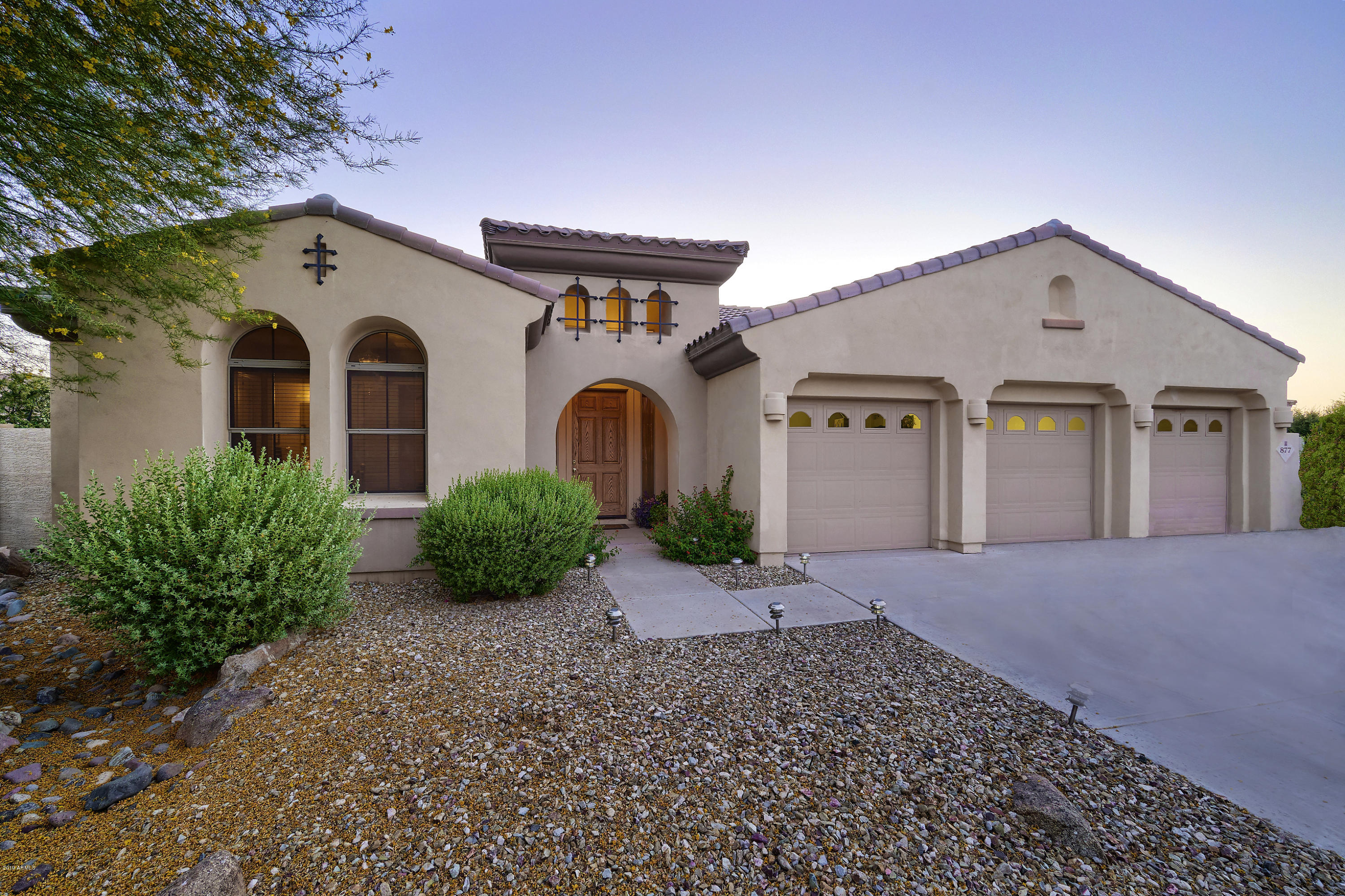 Photo of 877 W GROVE Street, Litchfield Park, AZ 85340
