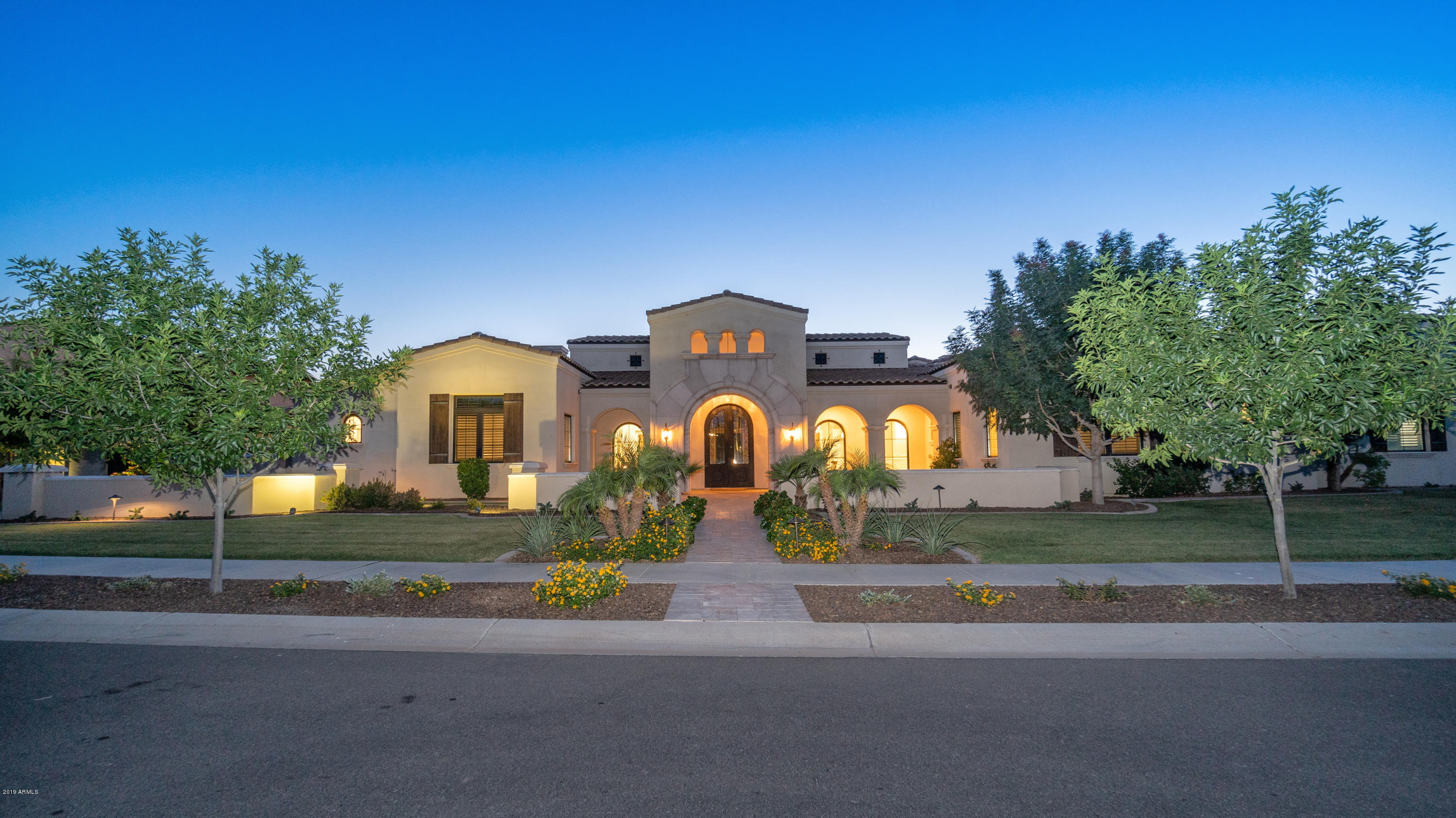 Photo of 500 W SUNSHINE Place, Chandler, AZ 85248